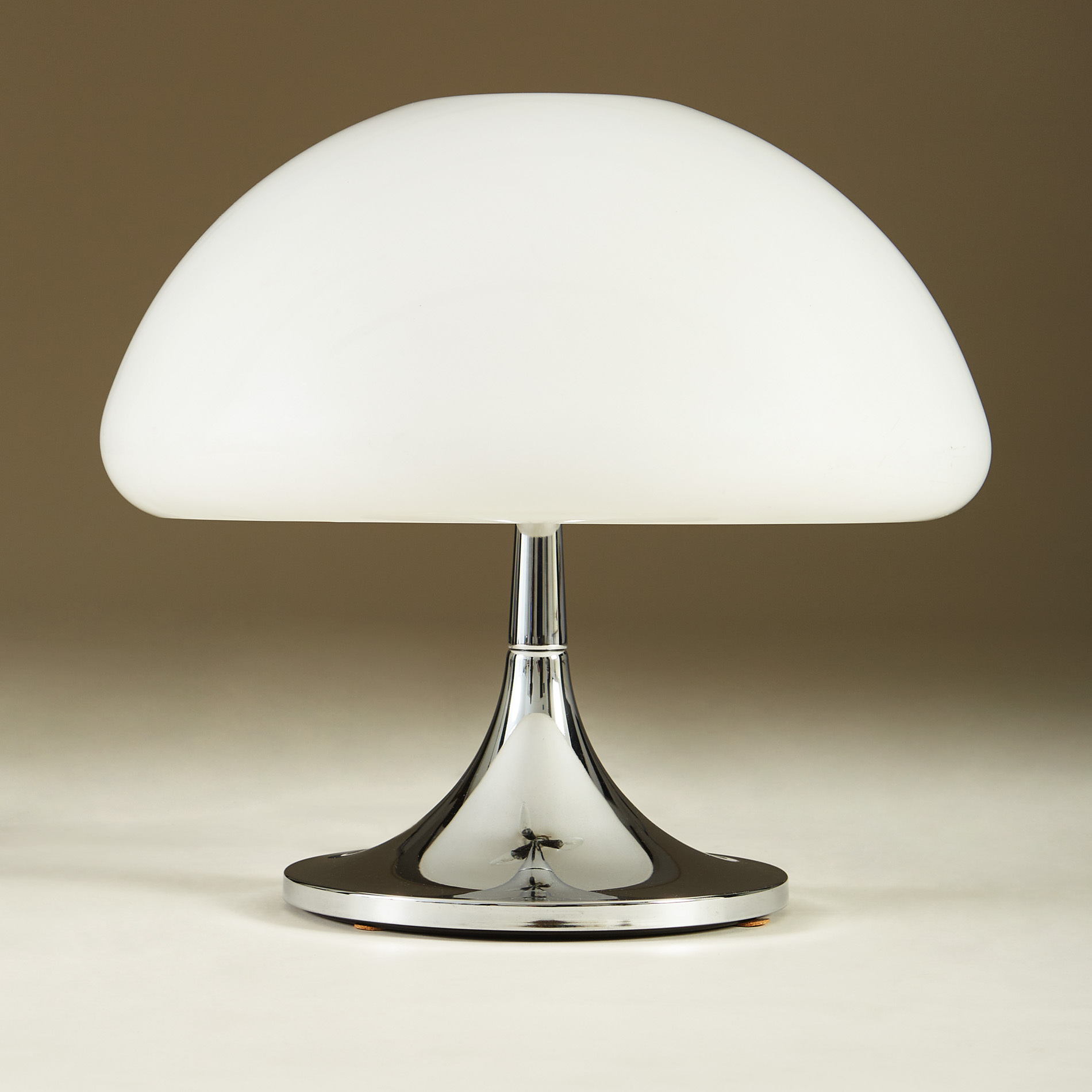 Perspex Dome Table Lamp 235 V1