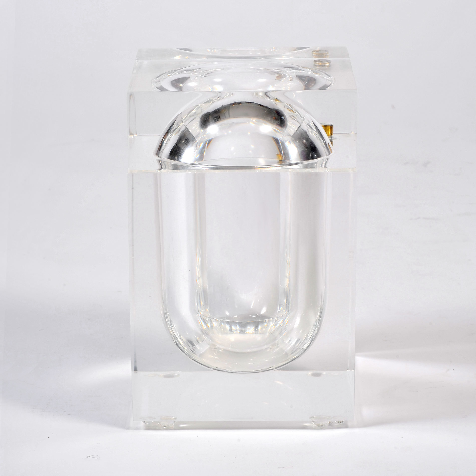 The image for Albrizzi Lucite Ice Bucket 01