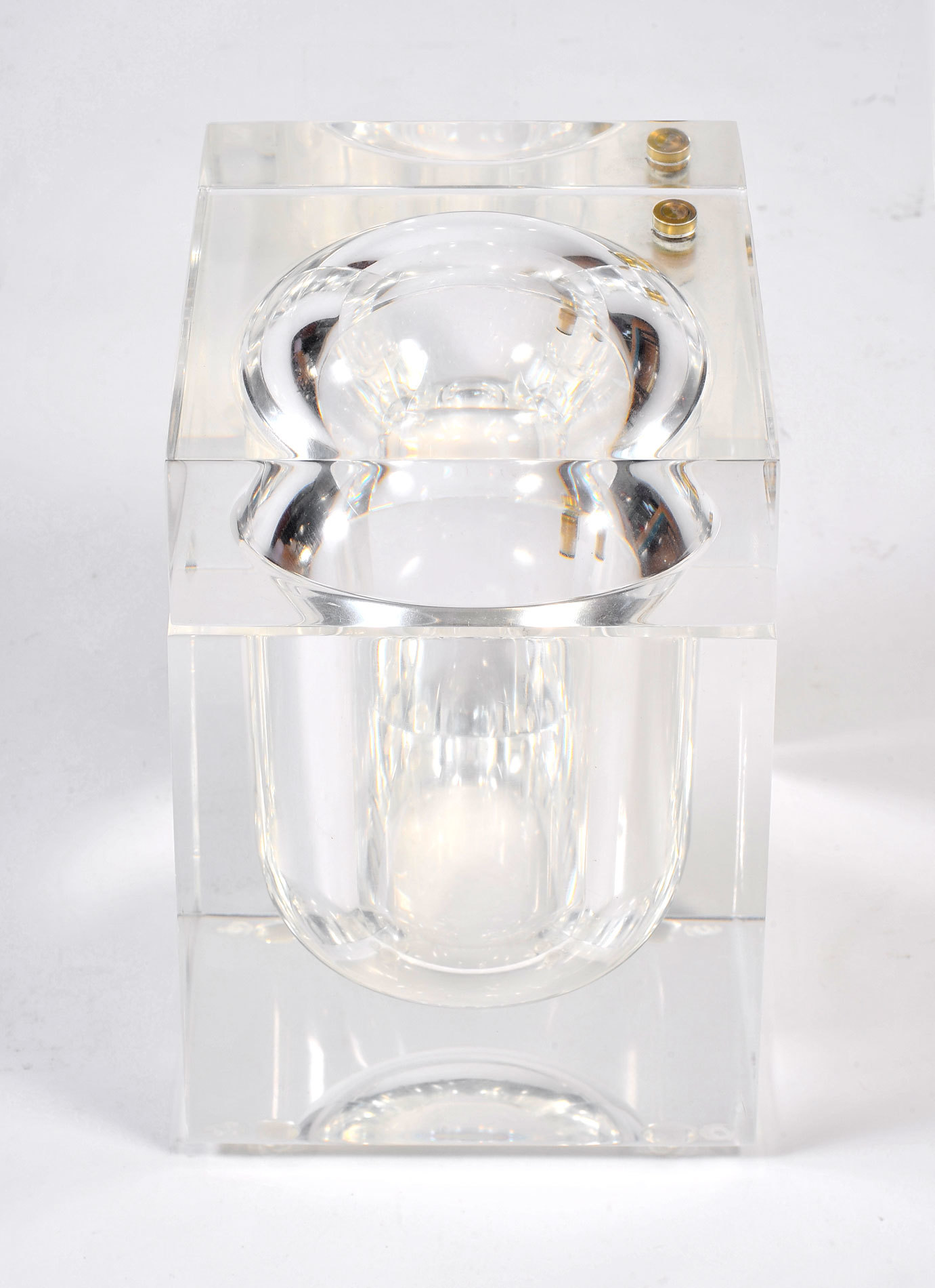 The image for Albrizzi Lucite Ice Bucket 02