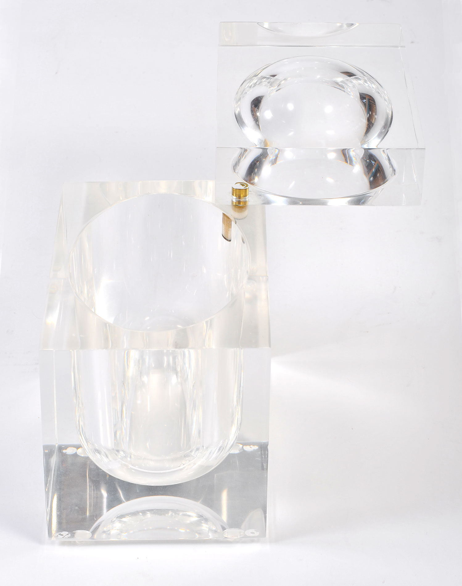 The image for Albrizzi Lucite Ice Bucket 03