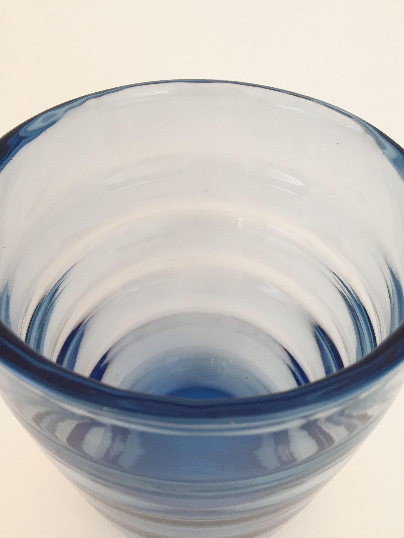 Blue Vase 02