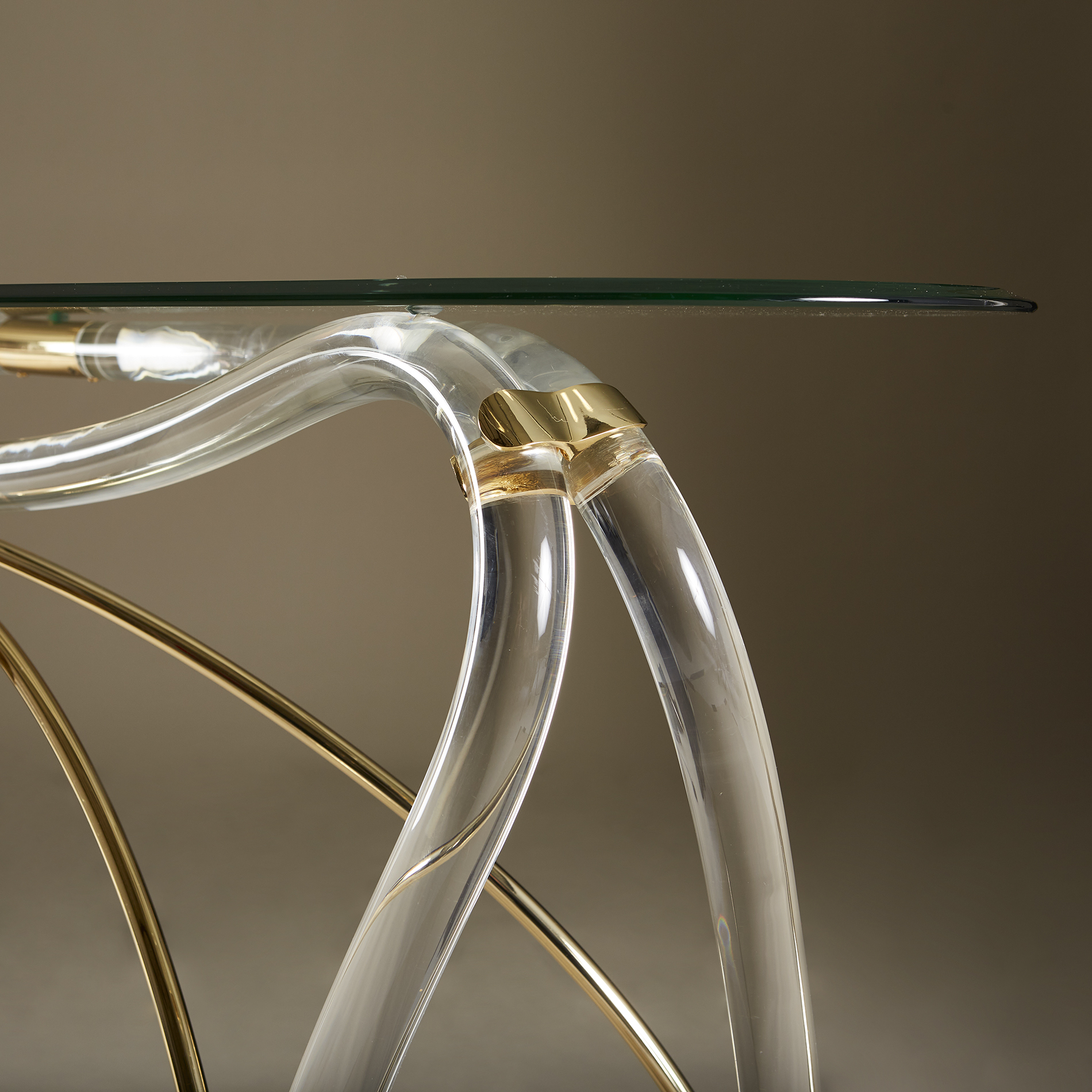 Bow Glass Console 20210126 Valerie Wade 0232 V1
