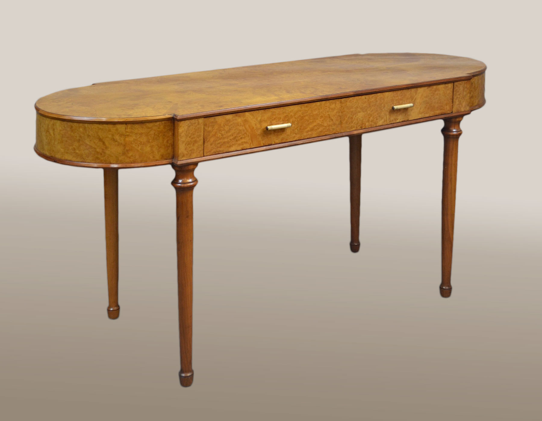 Large 1930s burr walnut dressing table valerie wade for Wide dressing table