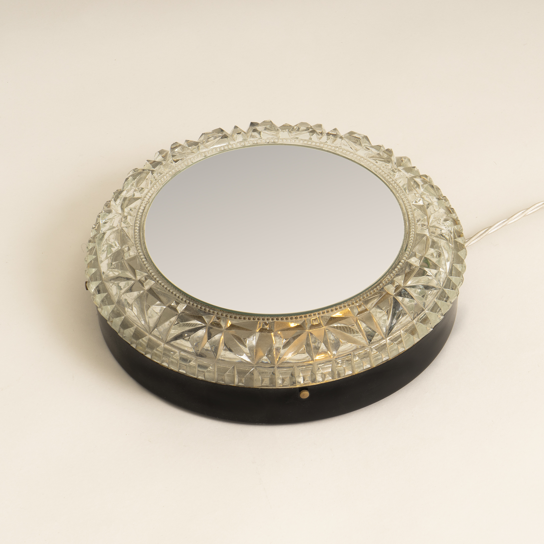 Circular Backlit Mirror 0386