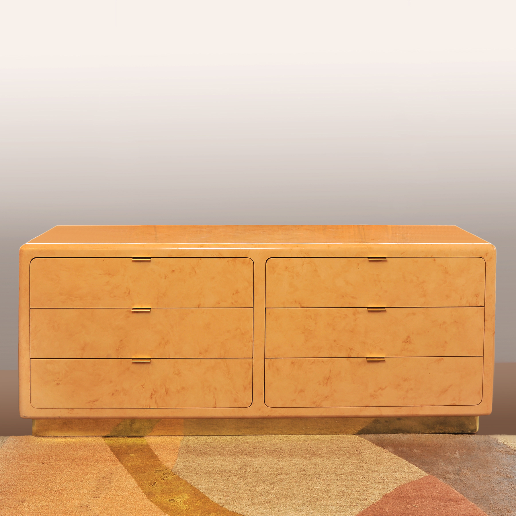 Faux Marble Chase Chest 01