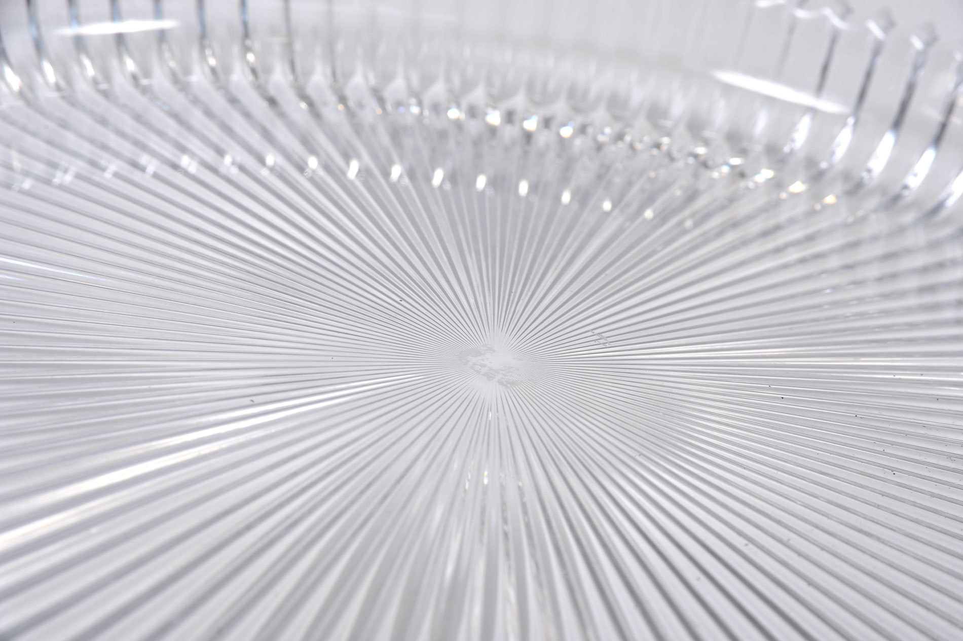 Fluted Glass Circular Tray 02