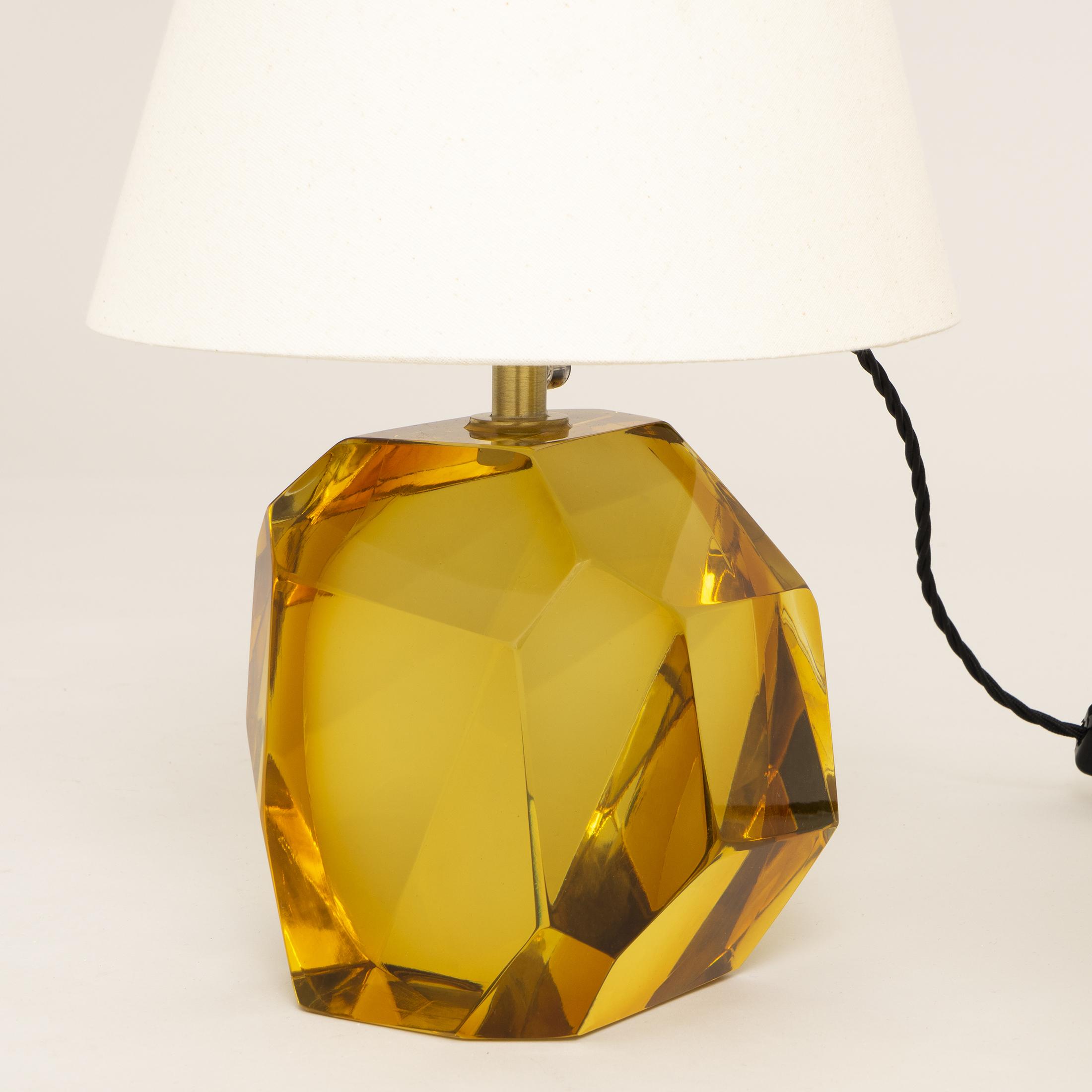 Glass Base Lamp Amber 0439