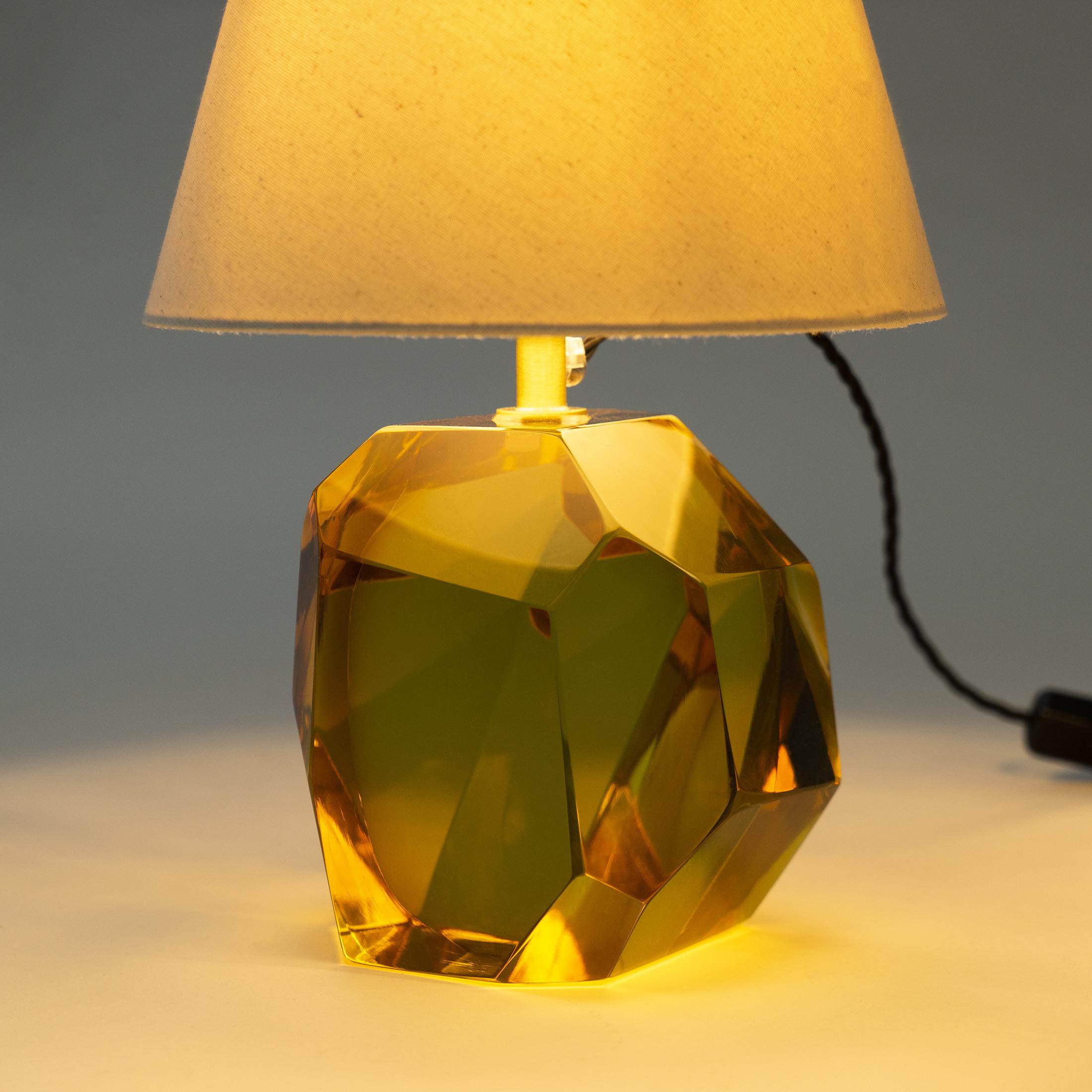 Glass Base Lamp Amber 0443