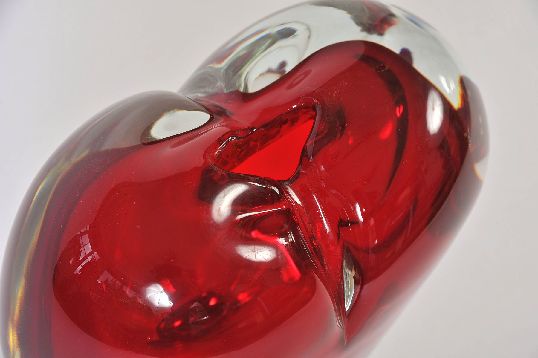 Large Red Heart Vase 04