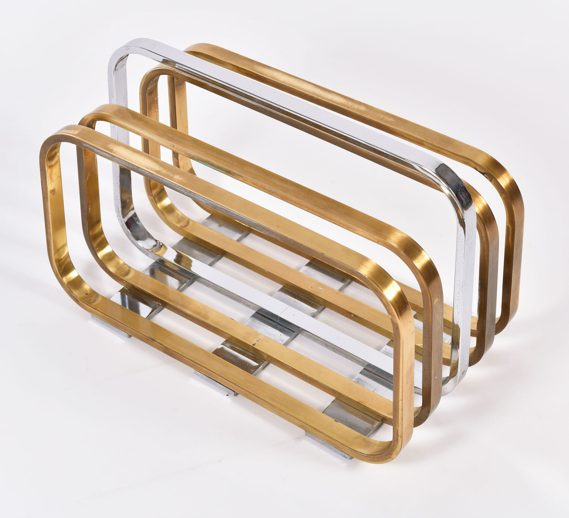 Magazine Rack By Romeo Rega 04