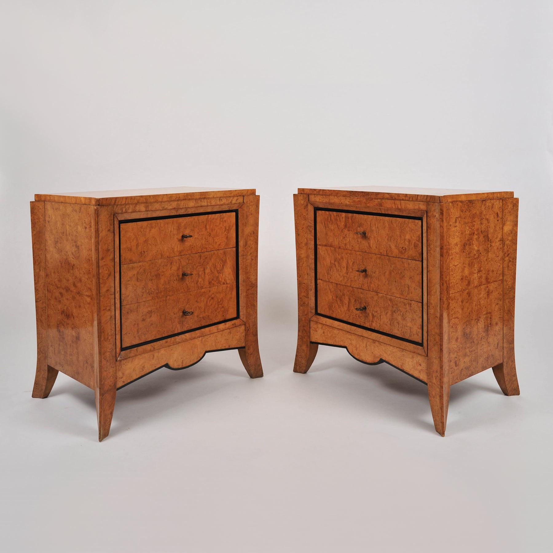 Pair Burr Walnut Bedside Tables 01 Vw
