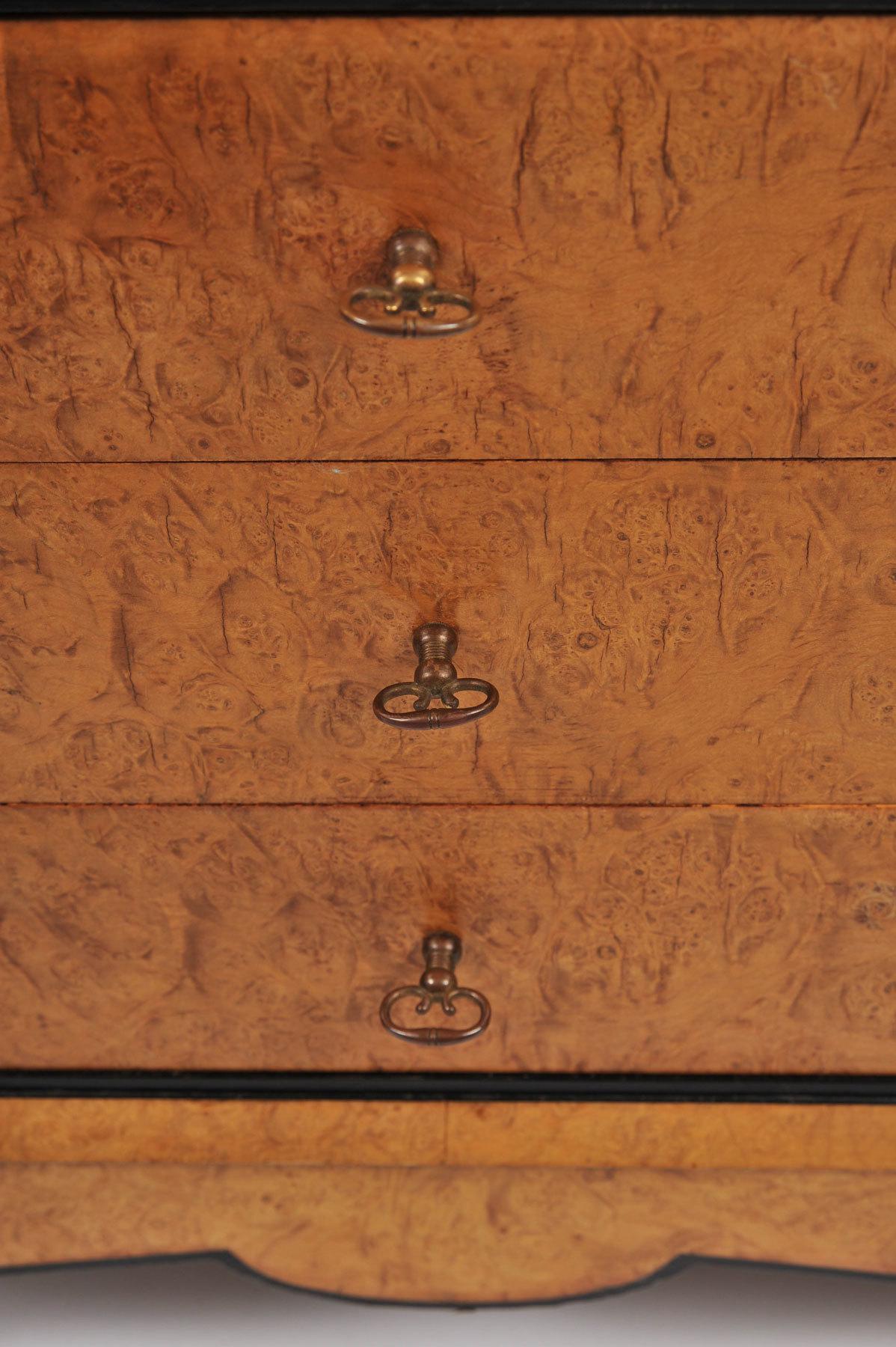 Pair Burr Walnut Bedside Tables 08 Vw