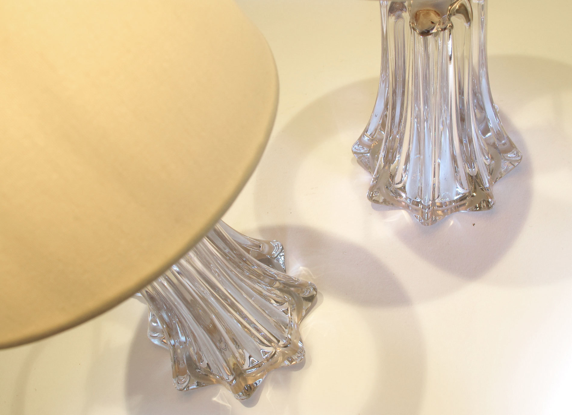 Pair Clear Val St Lamps 04