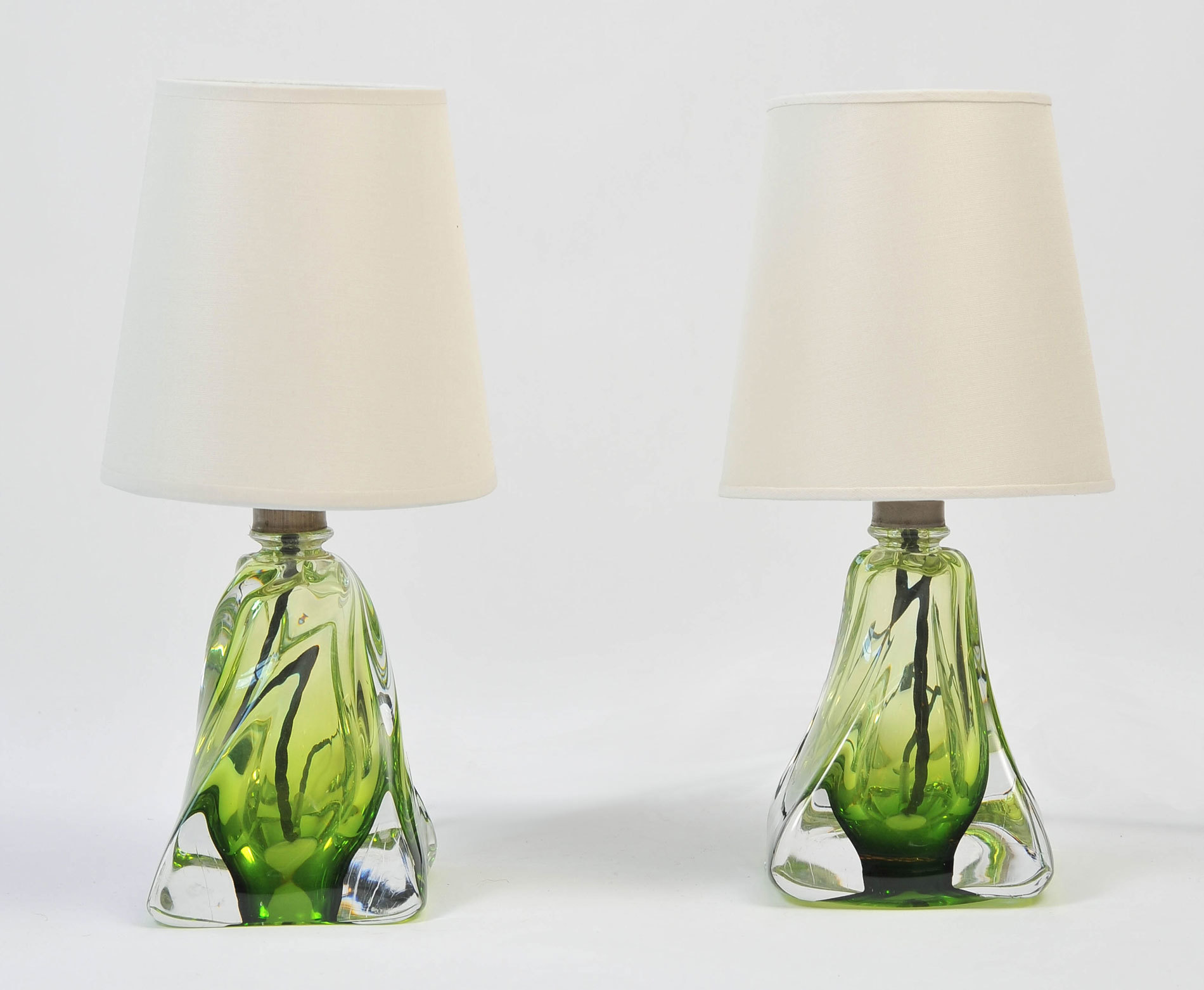 Pair Green Glasss Lamps 02