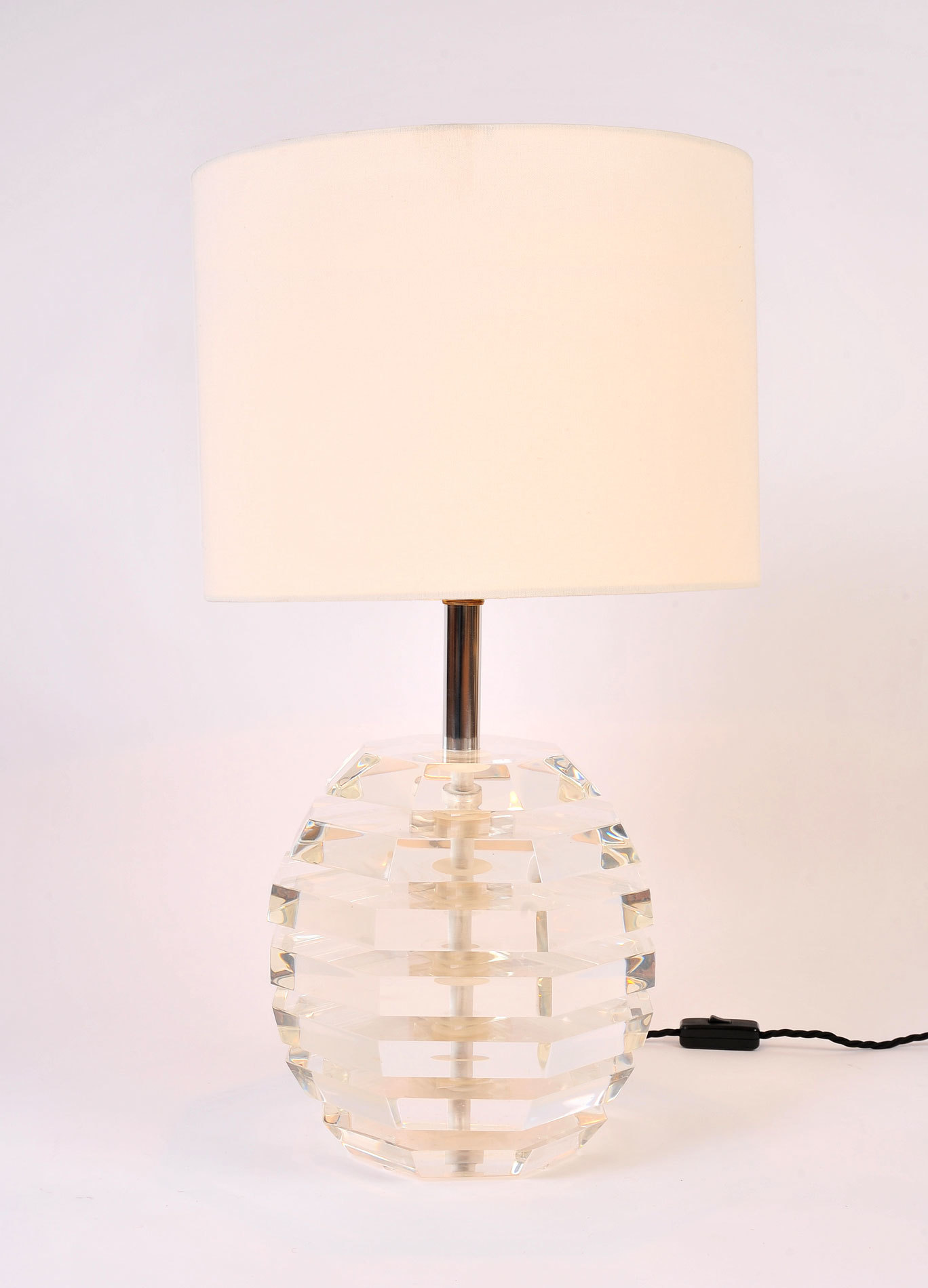 Pair Lucite Ball Lamps 02