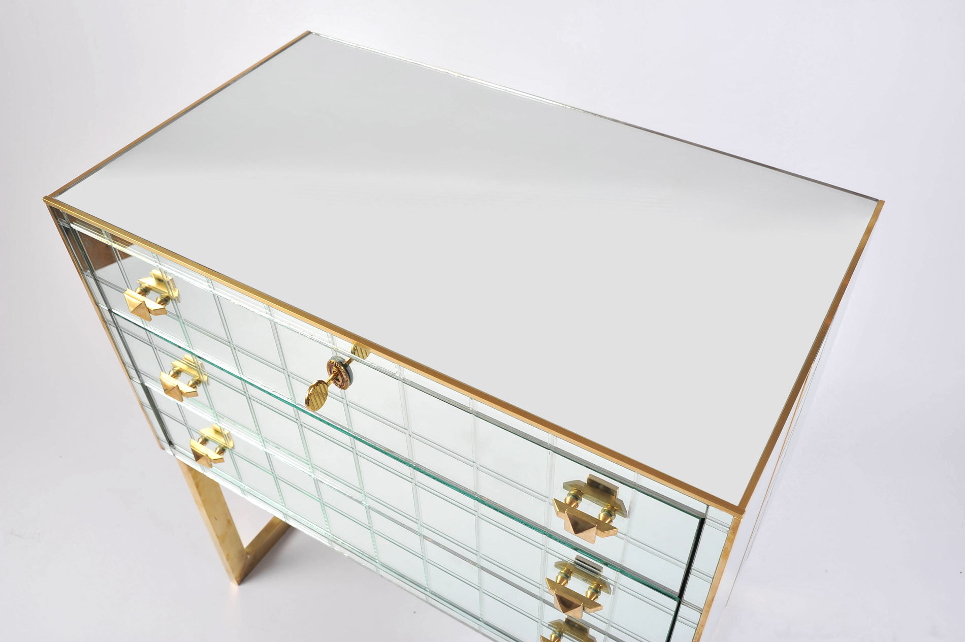 Pair Mirrored Bedsides 04