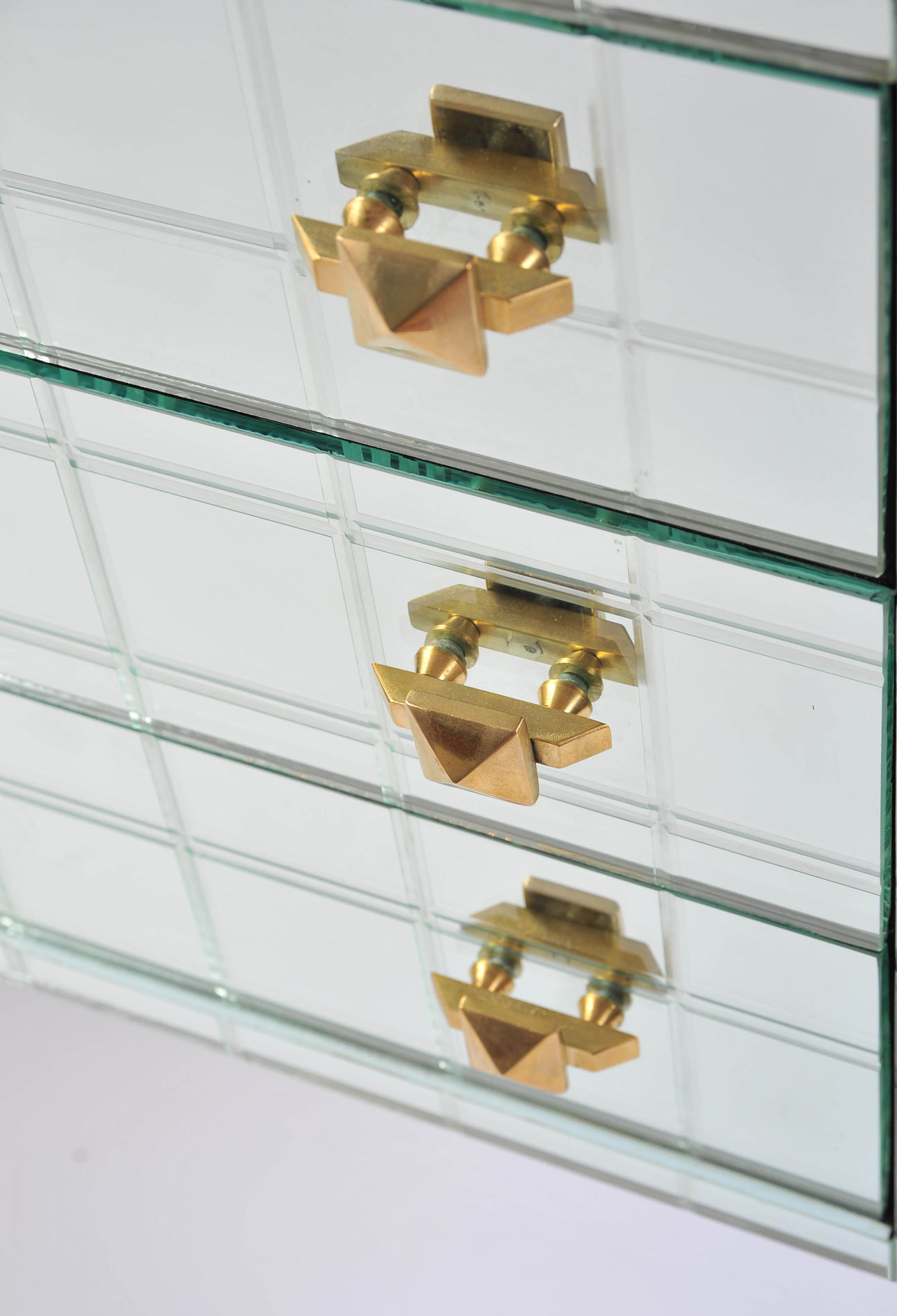 Pair Mirrored Bedsides 05