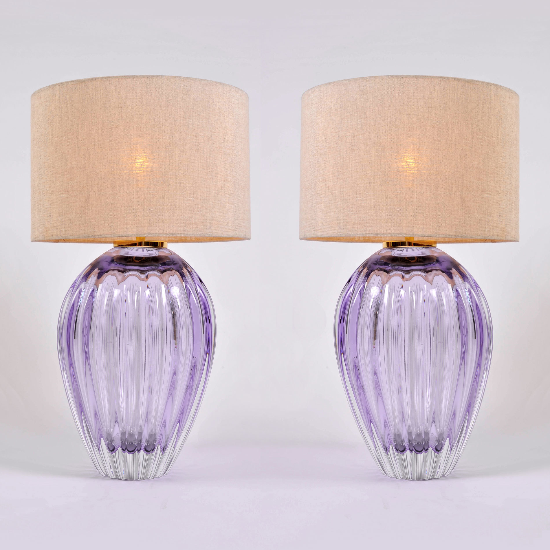Pair Purple Vase Lamps 01