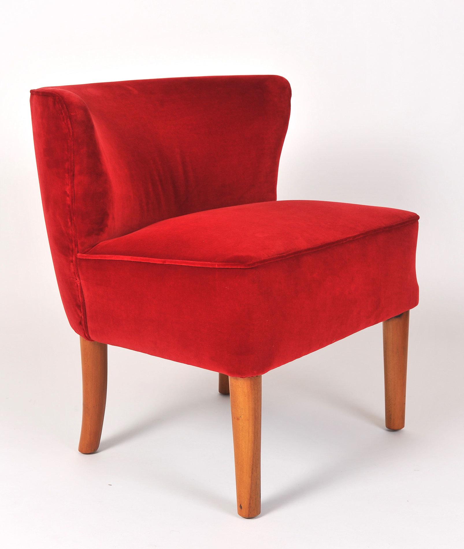 Pair Red Velvet Chairs 03