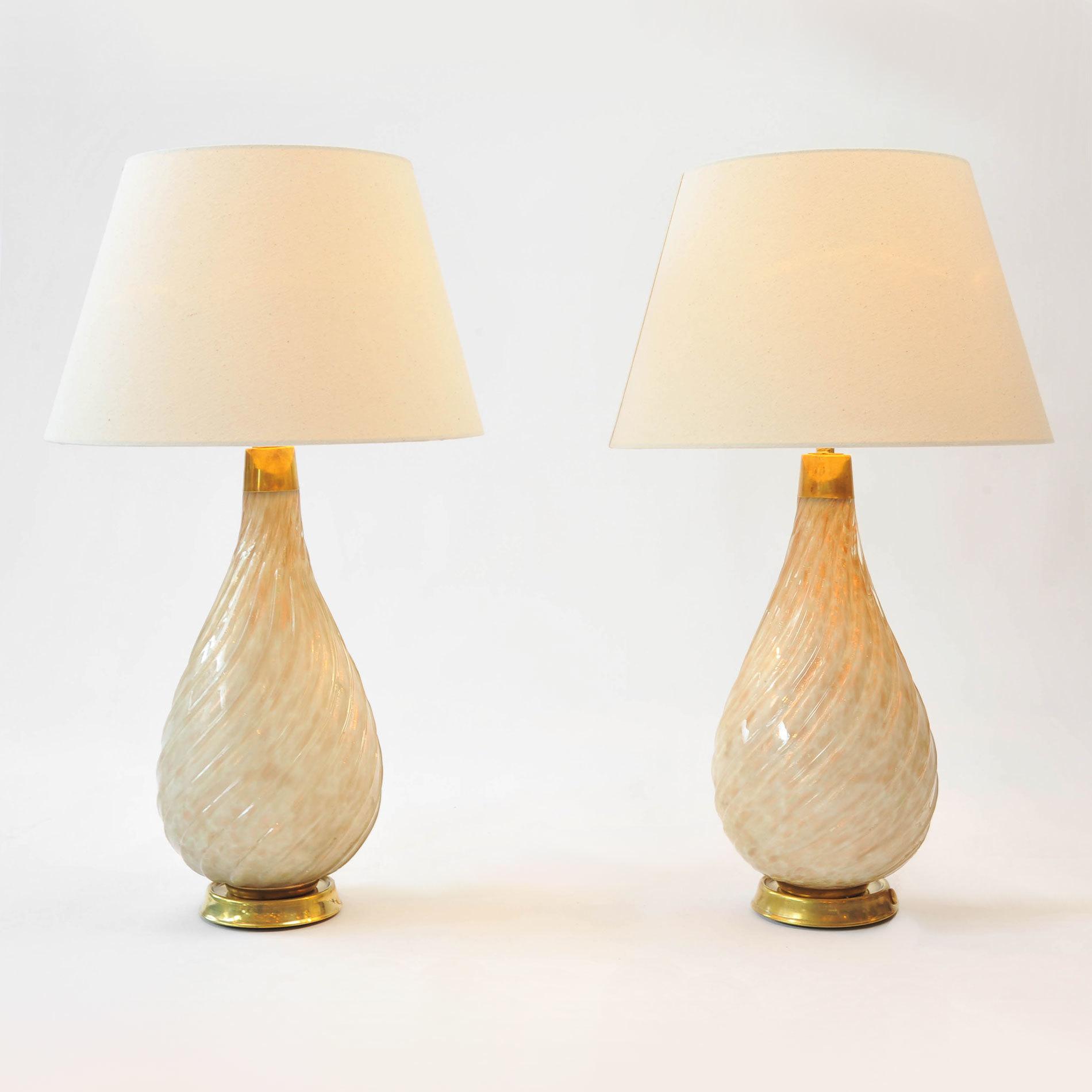Pair Teardrop Lamps 01