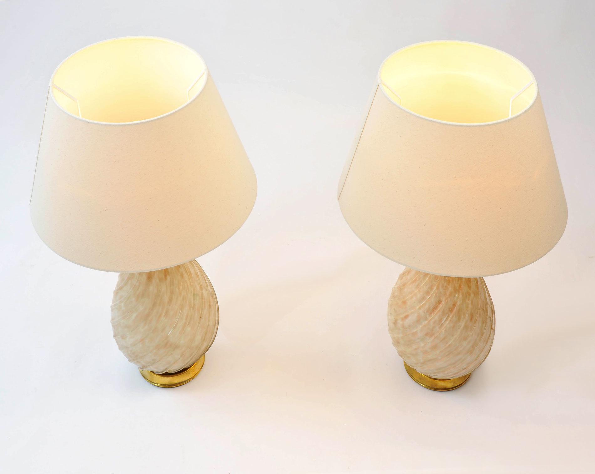 Pair Teardrop Lamps 03