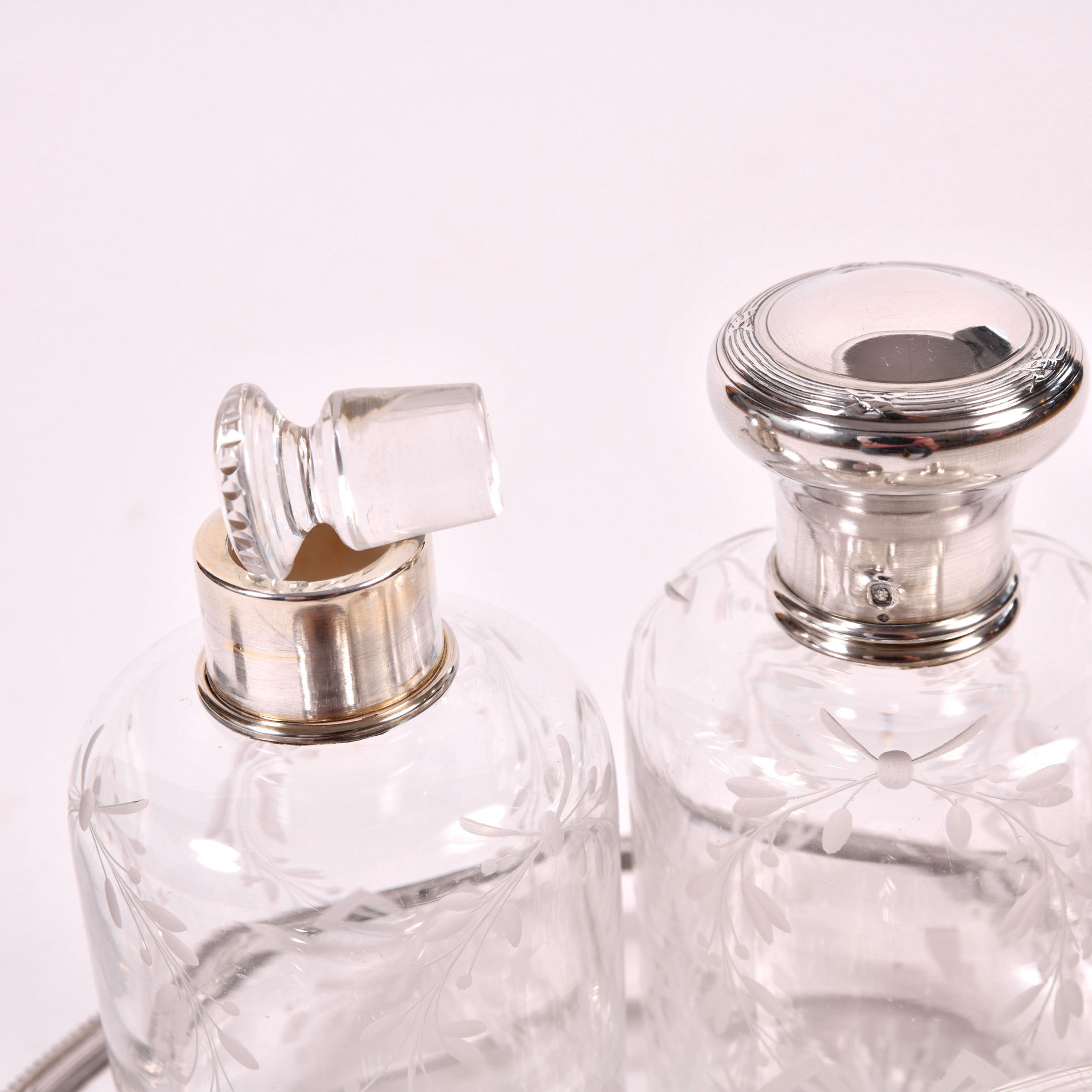 Scent Bottle Set 03