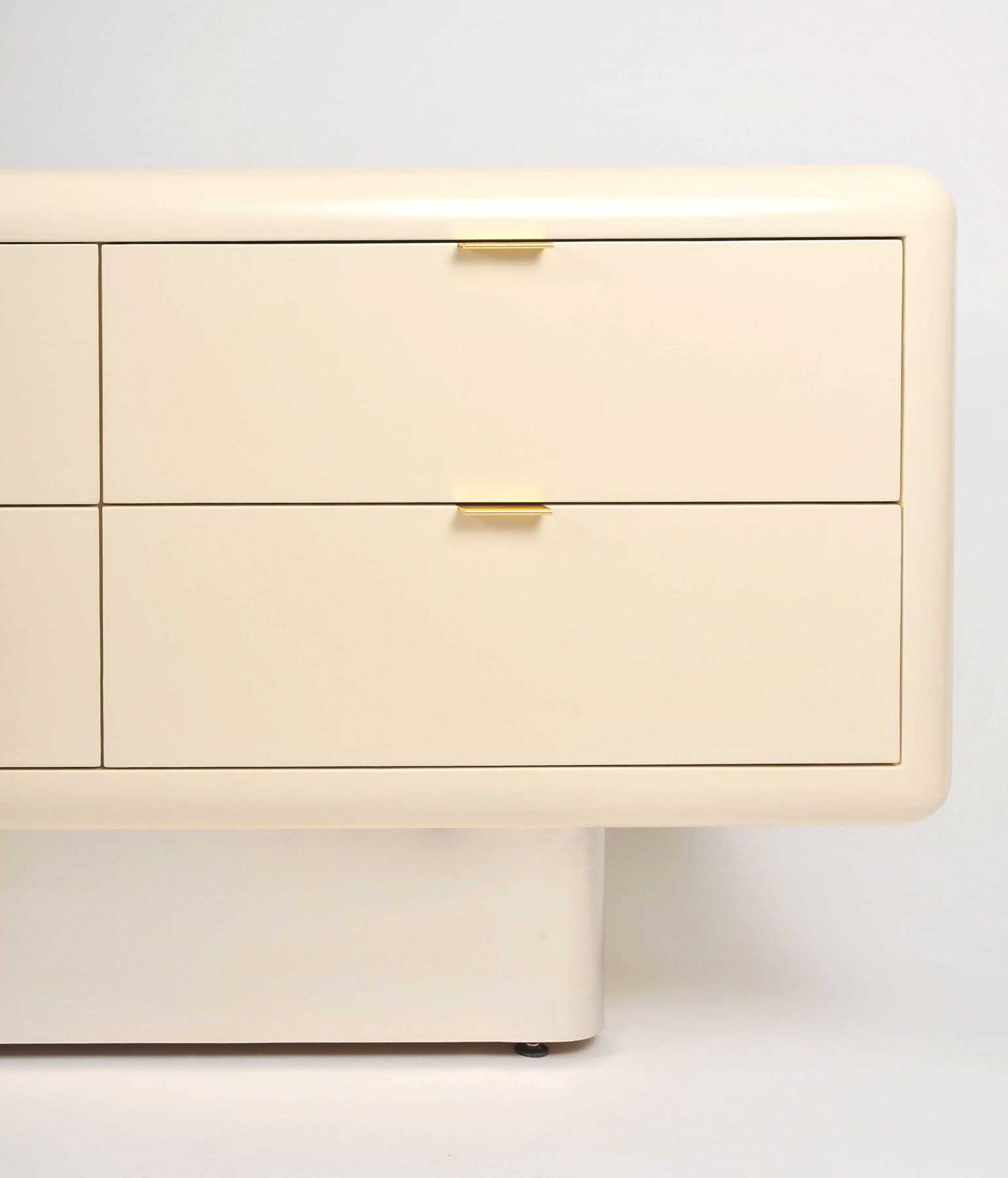 Steve Chase Chest Of Drawers 04