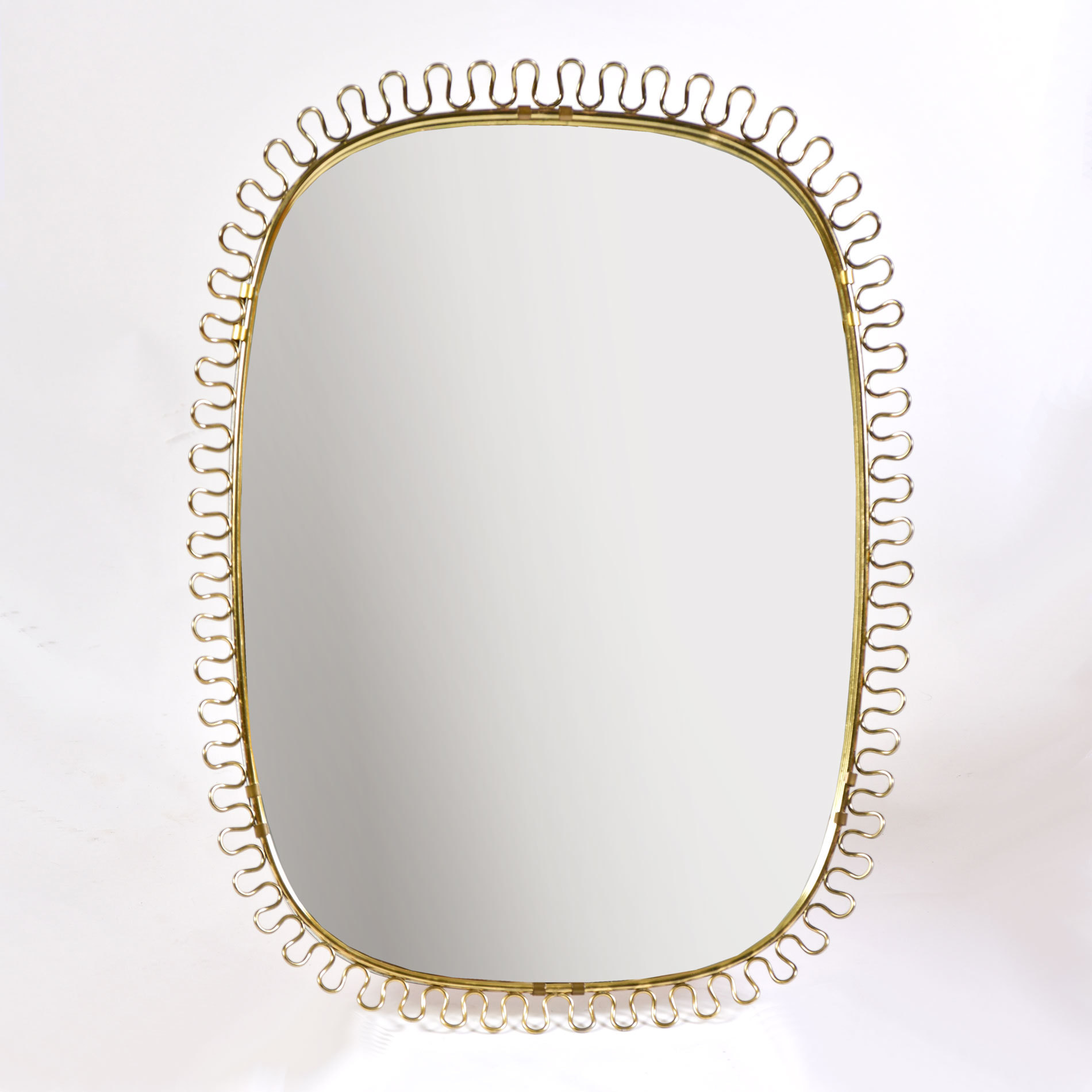 The image for Twirl Brass Wall Mirror 01