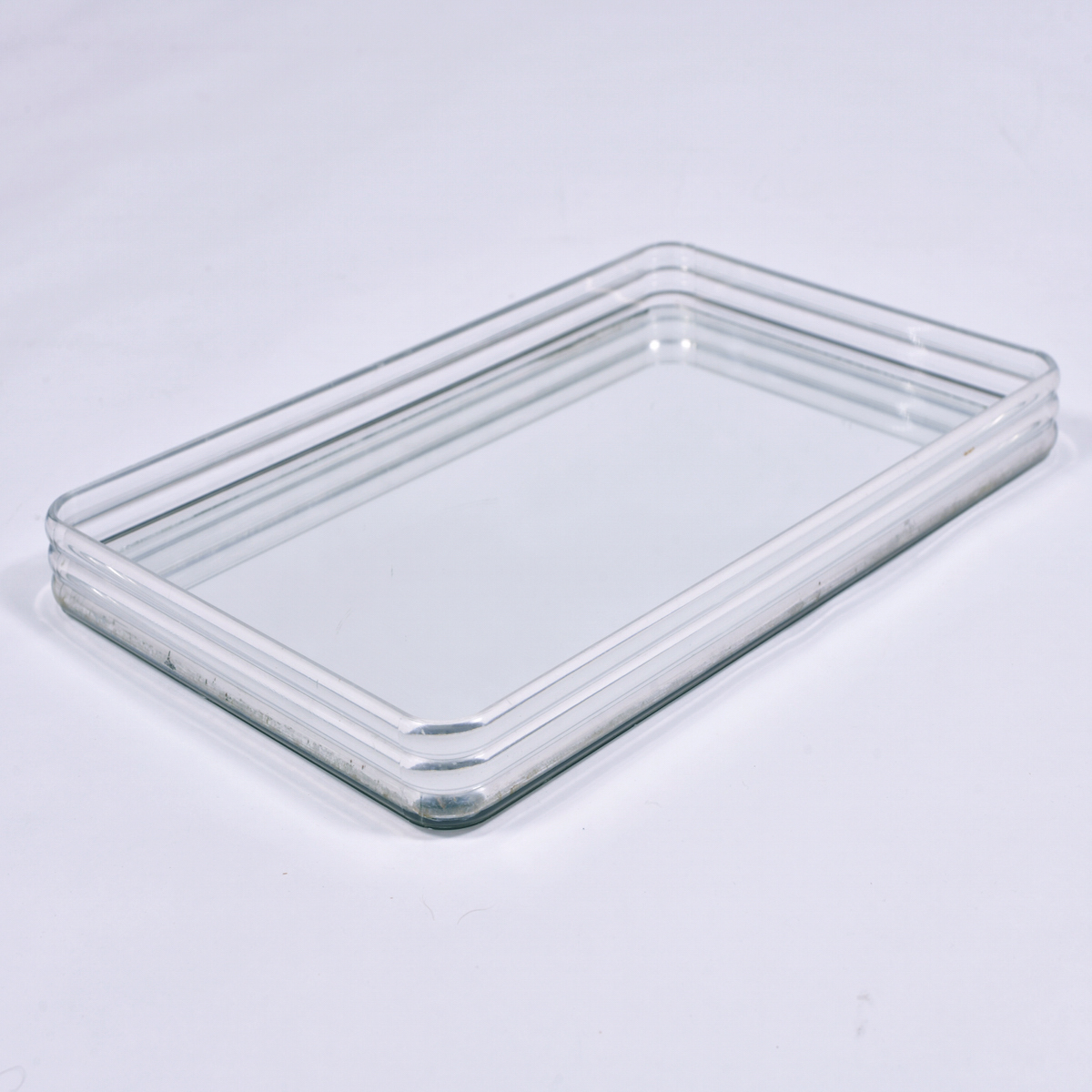 Us Lucite Mirror Tray 1 Copy