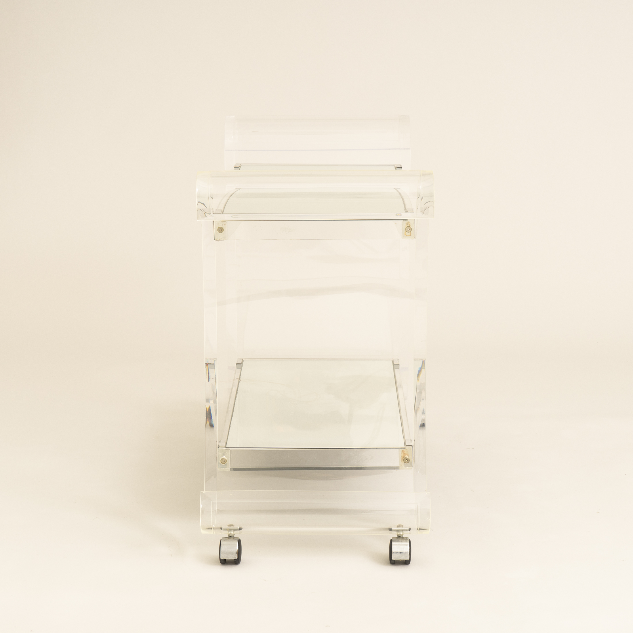 Us Lucite Trolley 0272