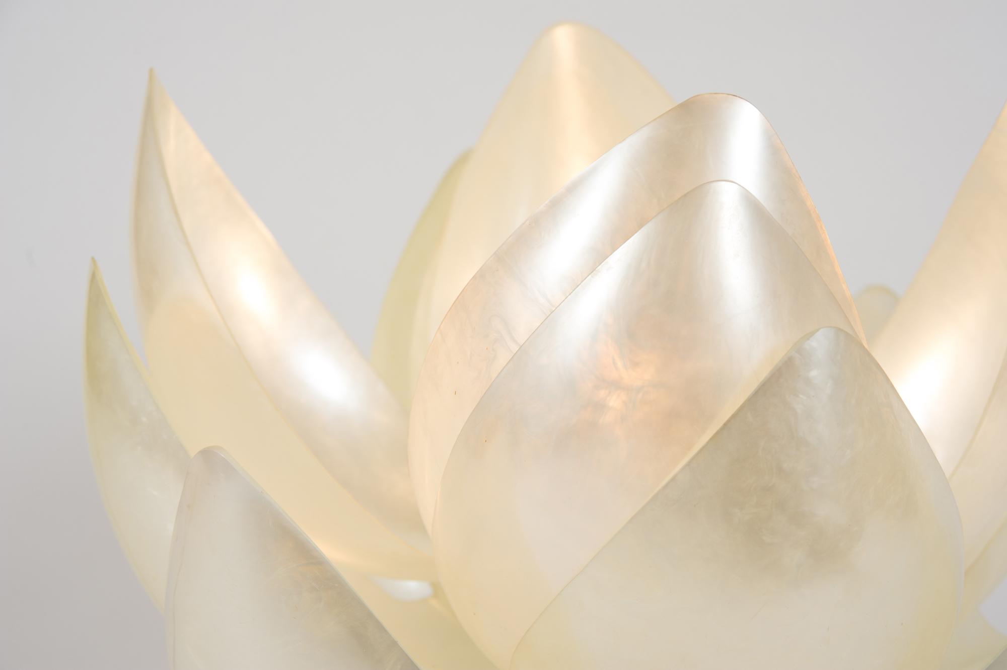 Valerie Wade Full Bloom Lamp –03