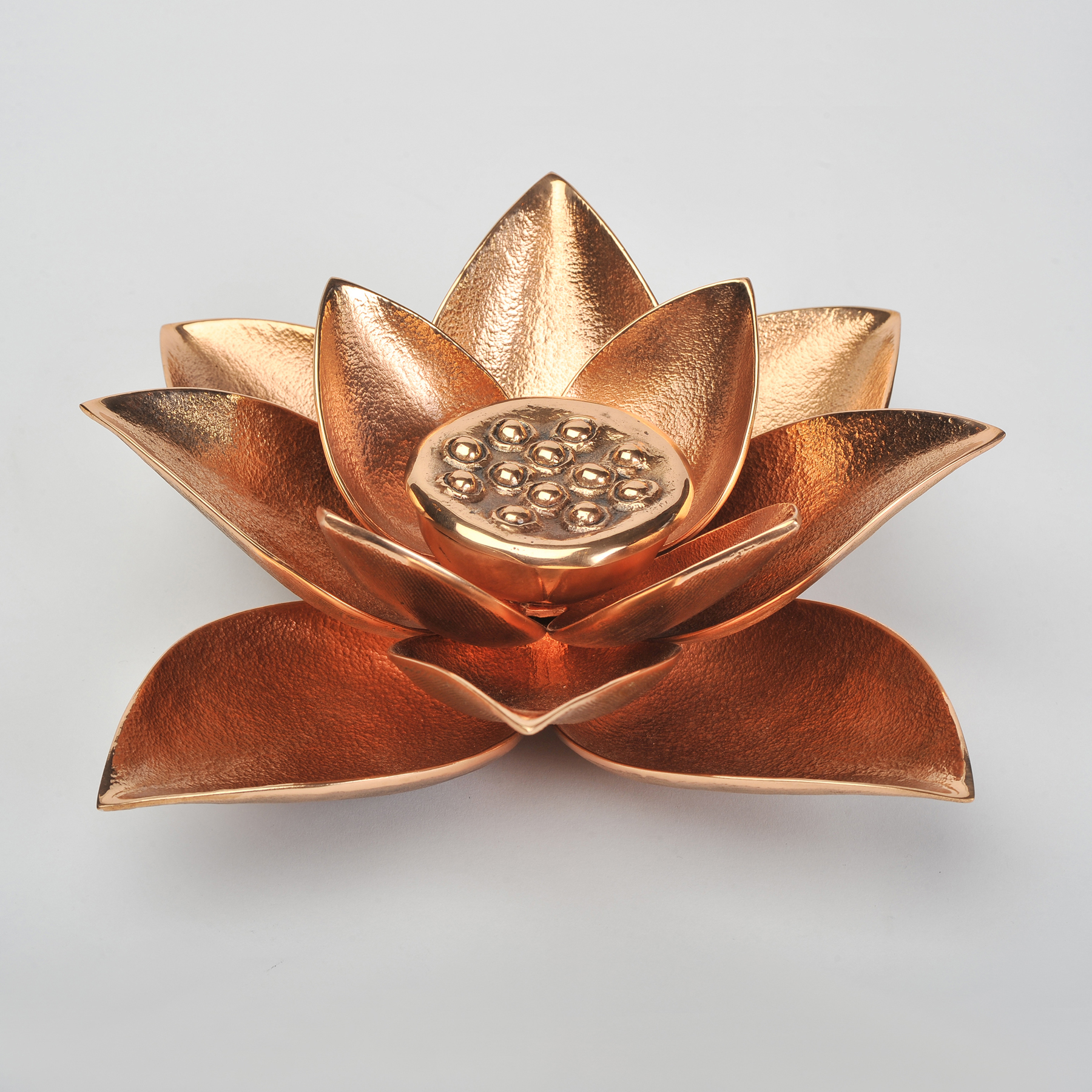 The image for Valerie Wade Cast Broze Lotus Candle 01