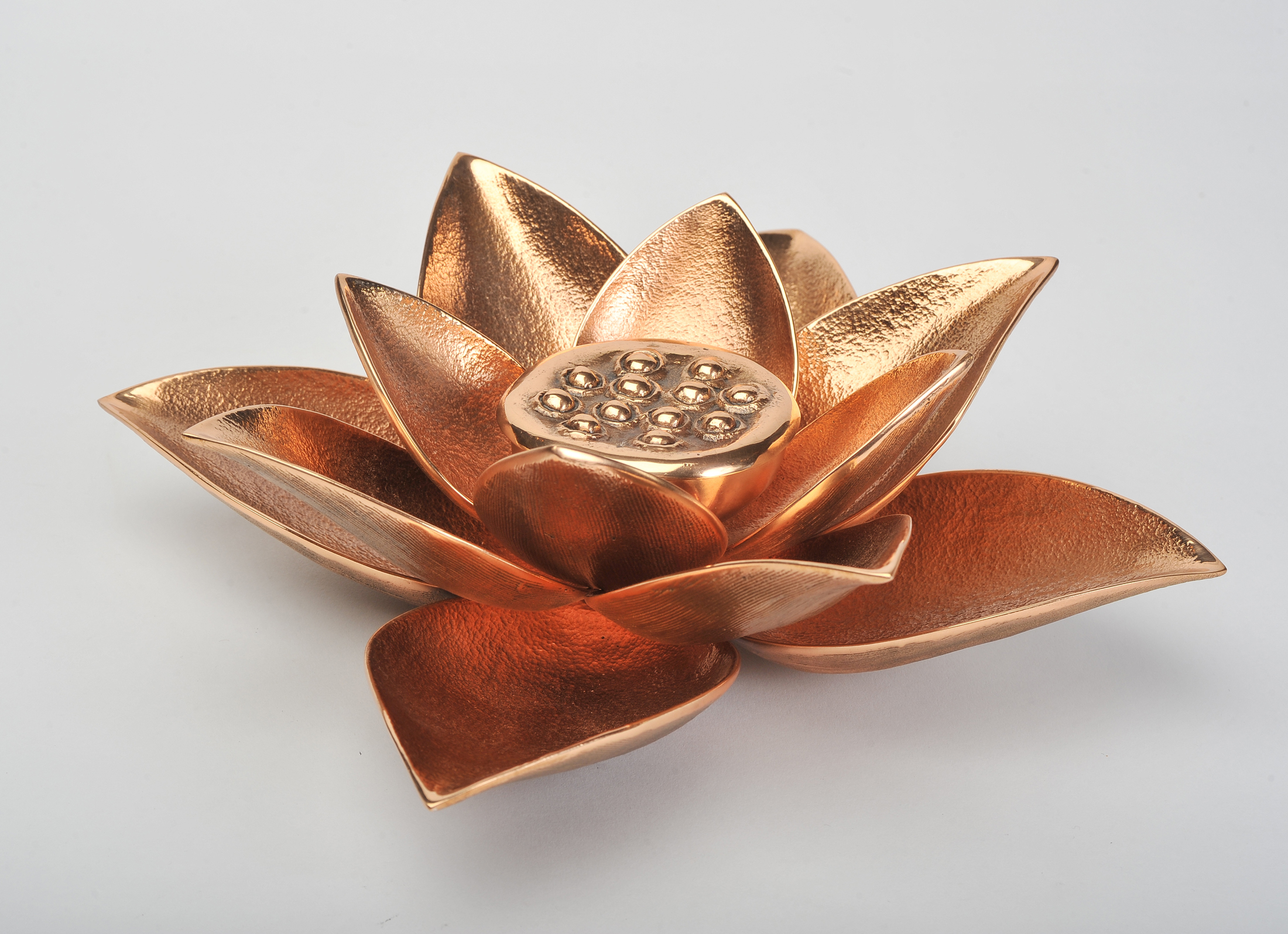The image for Valerie Wade Cast Broze Lotus Candle 02