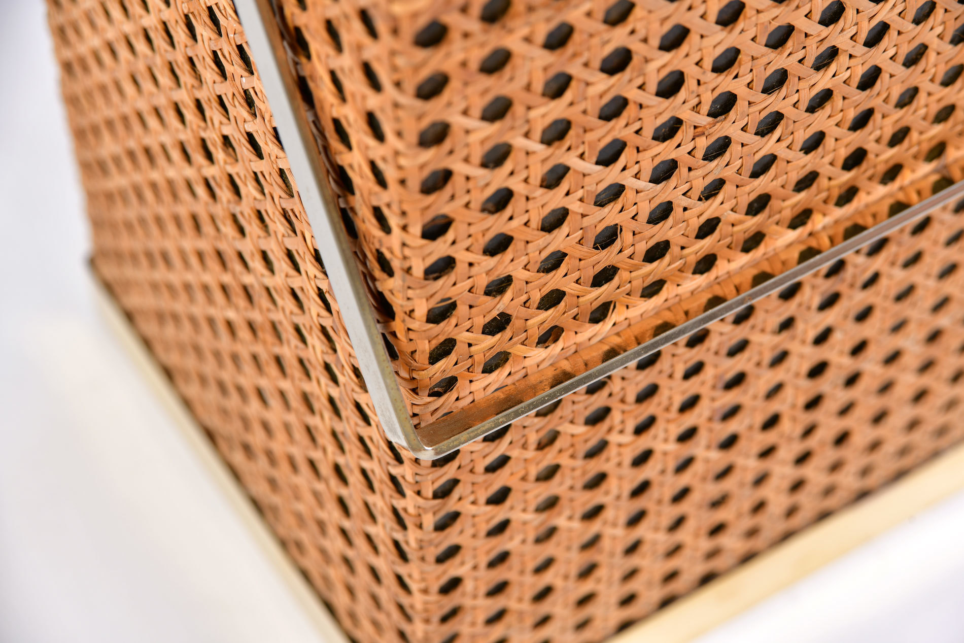 Wicker Magazine Rack 07