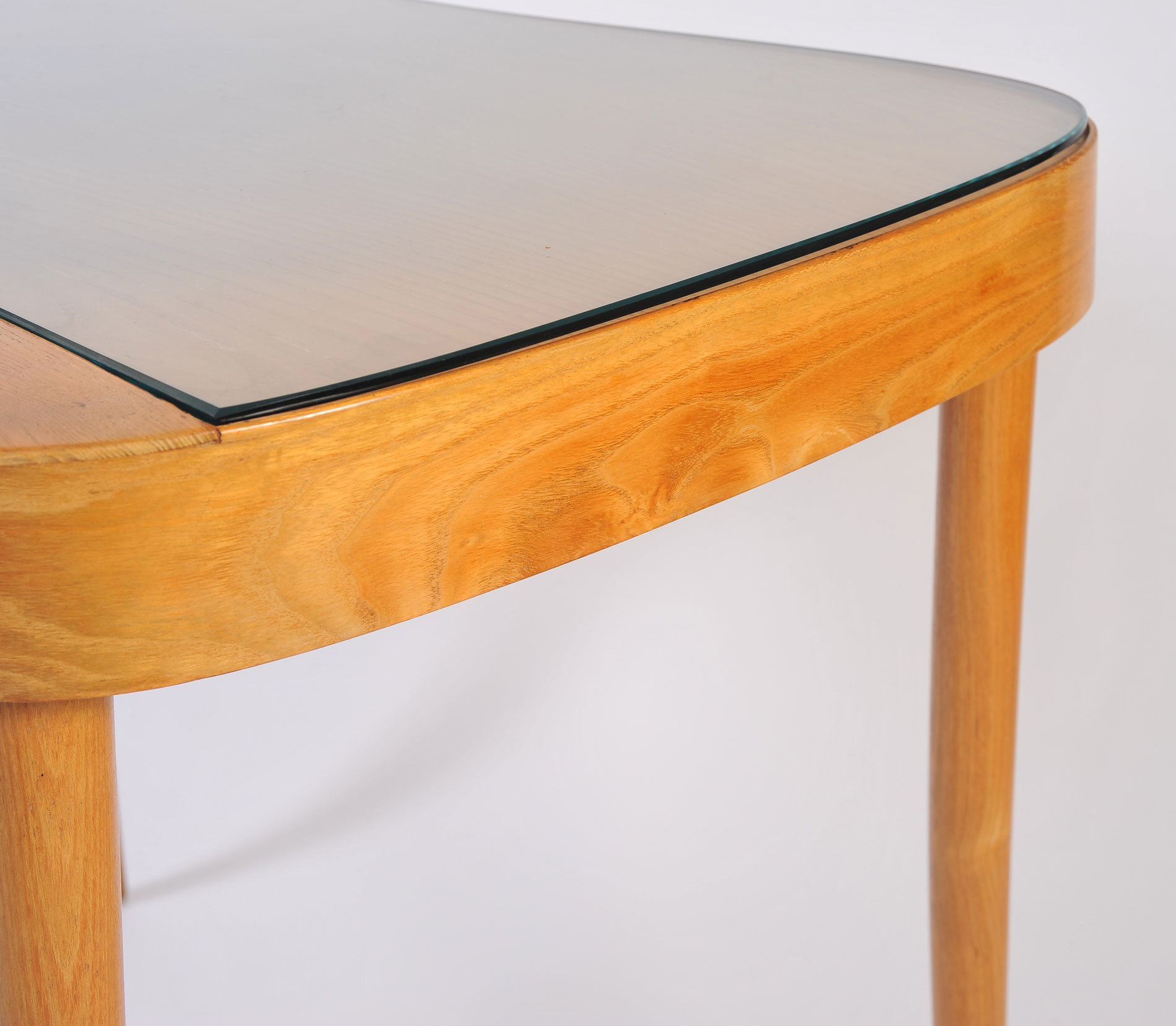 The image for Wood Italian Dressing Table 06