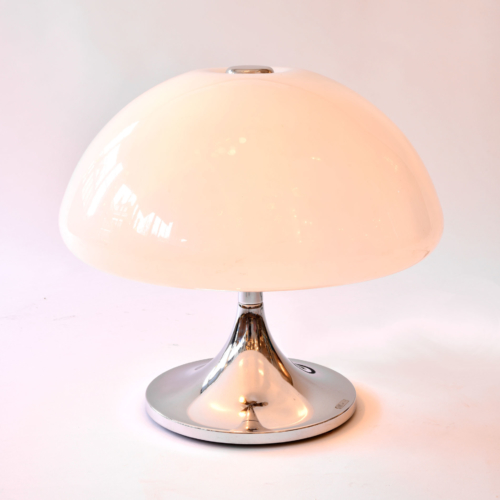 Perspex Domed Lamp 01