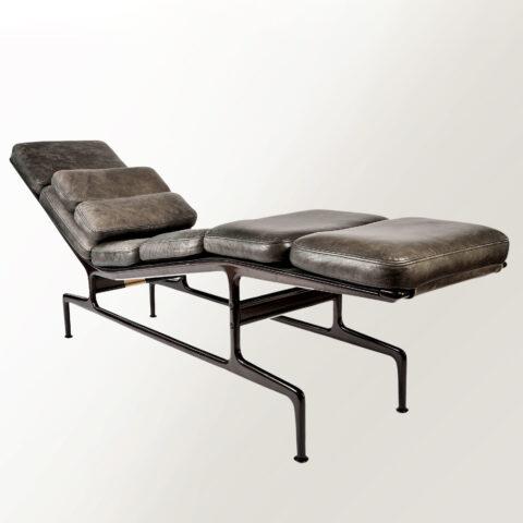 Eamaes Chaise Longue 01