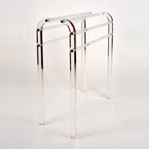 Vw Lucite Towel Rail Detail 01