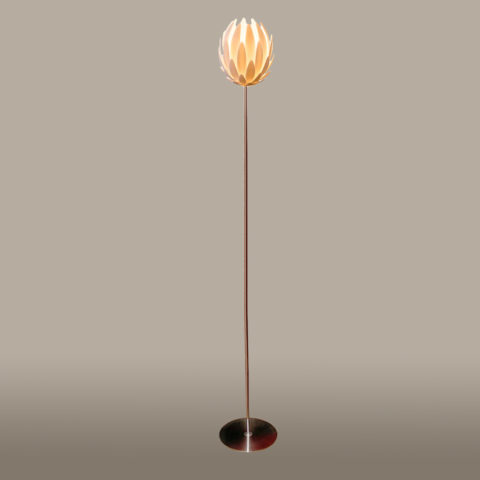 Valerie Wade Lf550 Lily Standard Lamp 01