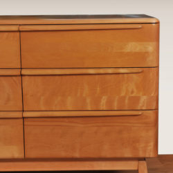 The image for Wakefield Chest 04