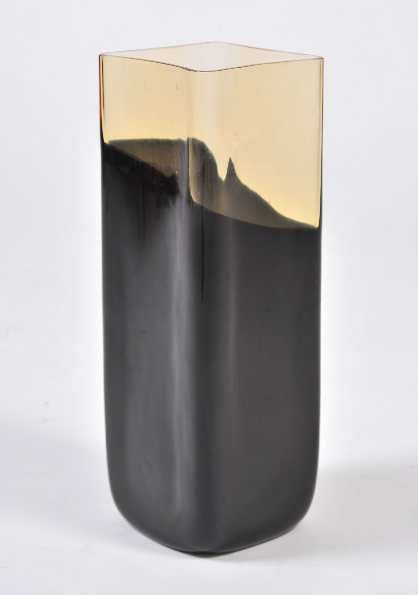 Black Glass Vase 02