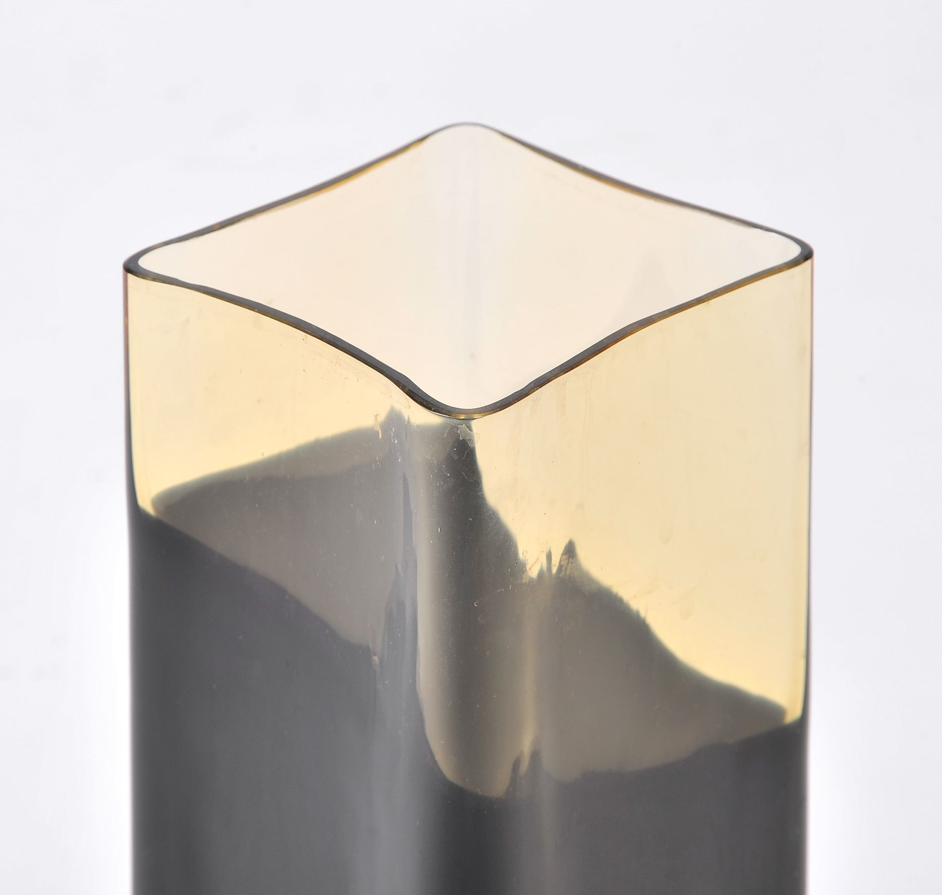 Black Glass Vase 04