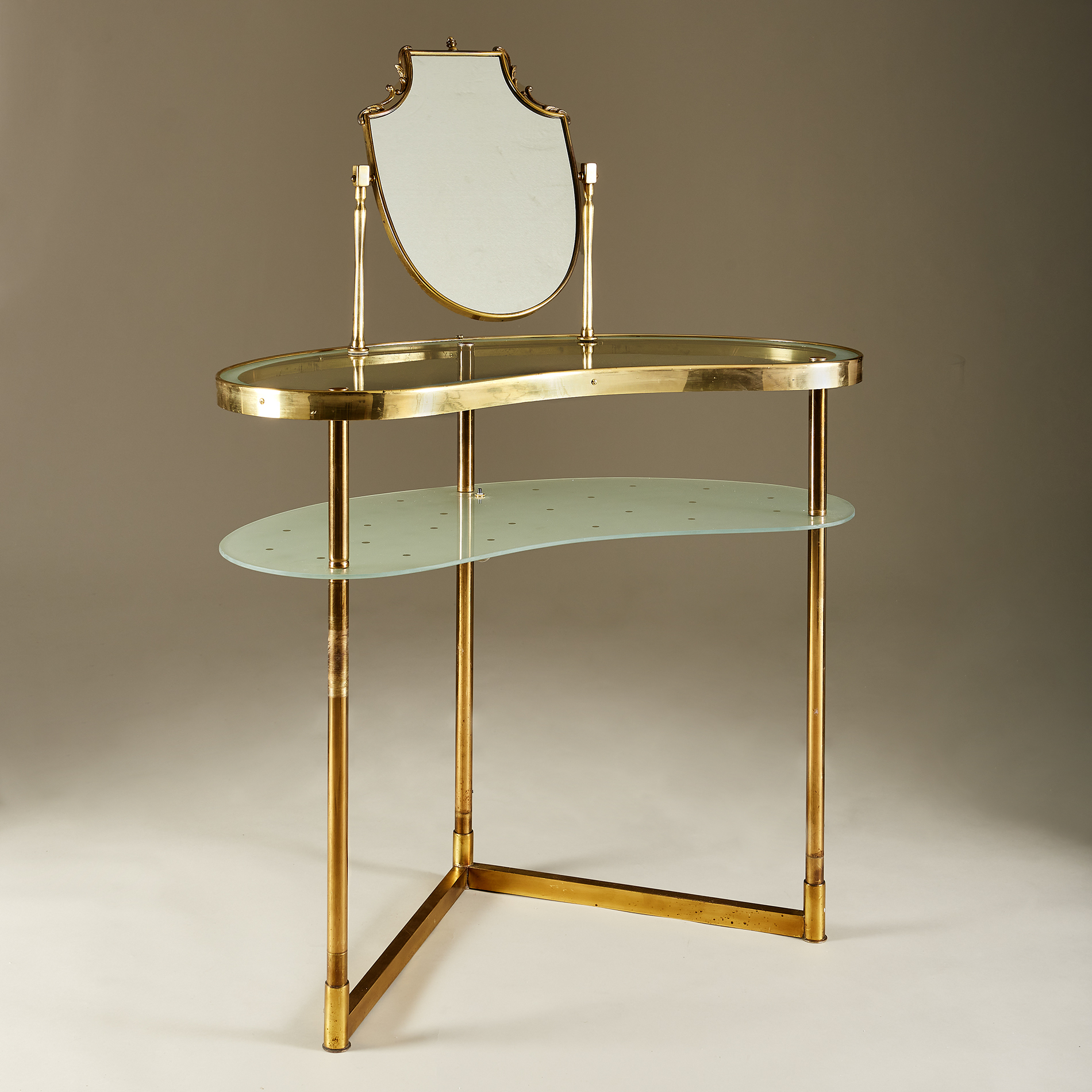Italian Polka Dot Dressing Table 20210126 Valerie Wade 0079 V1
