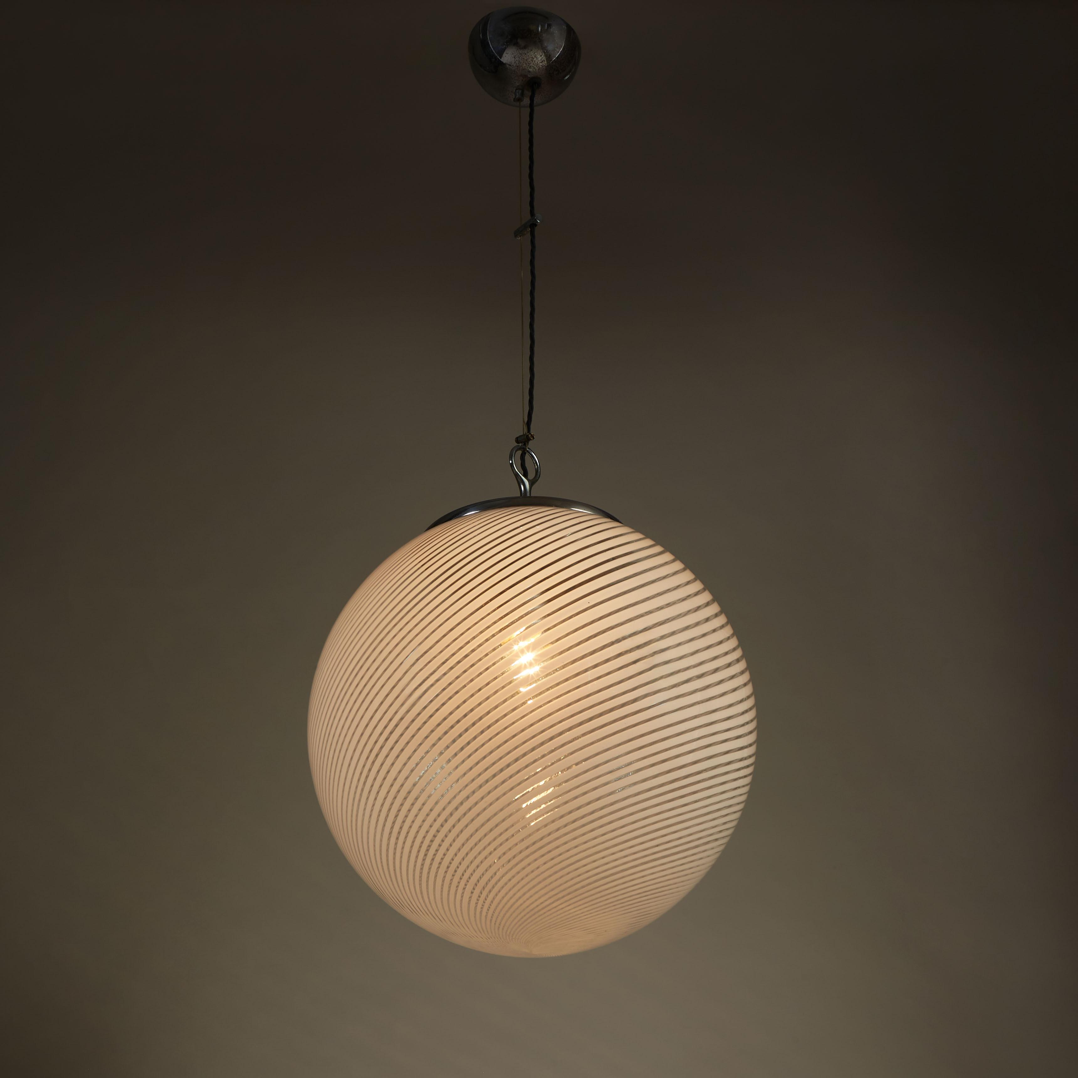 Italian Swirl Ball Lamp 0100 V1