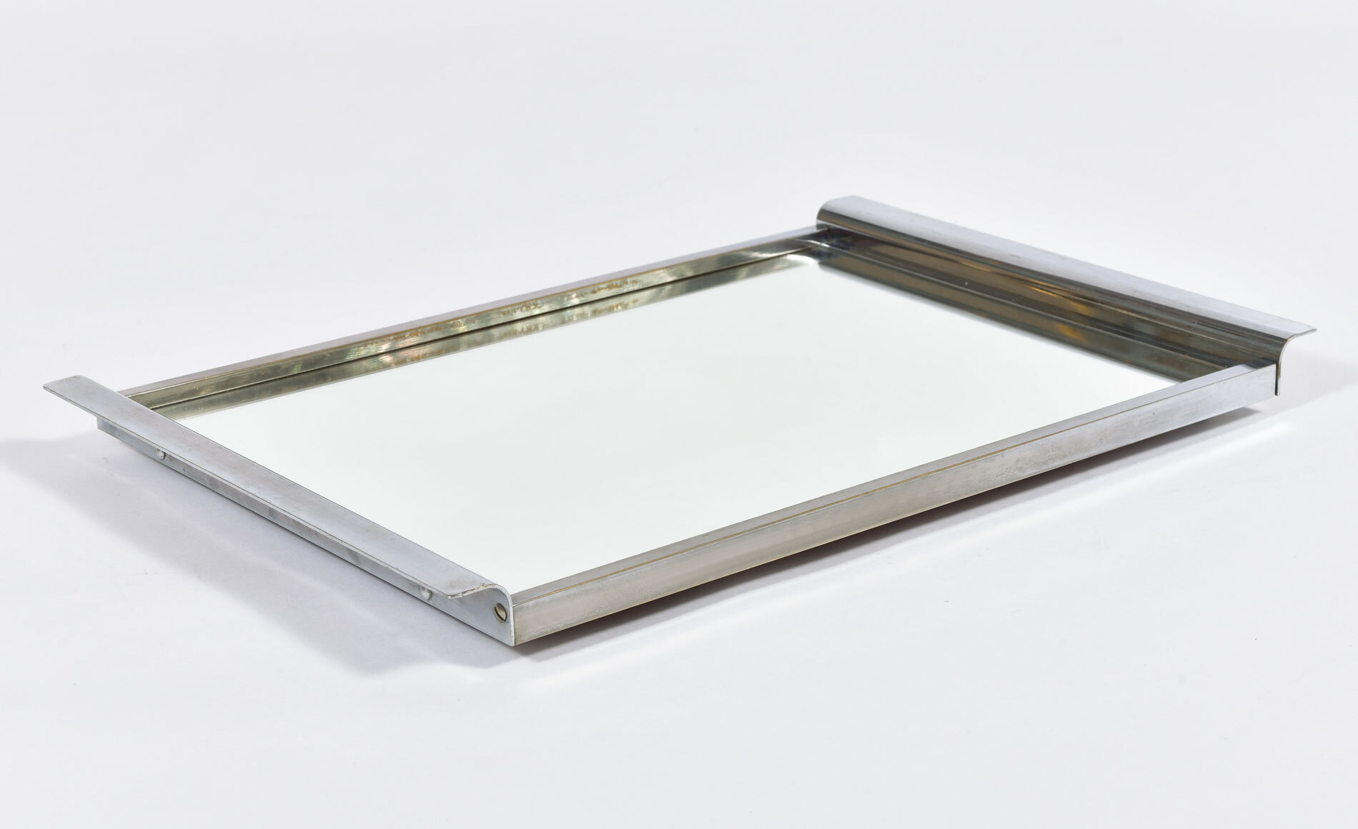 Medium Chrome Mirrored Tray 02
