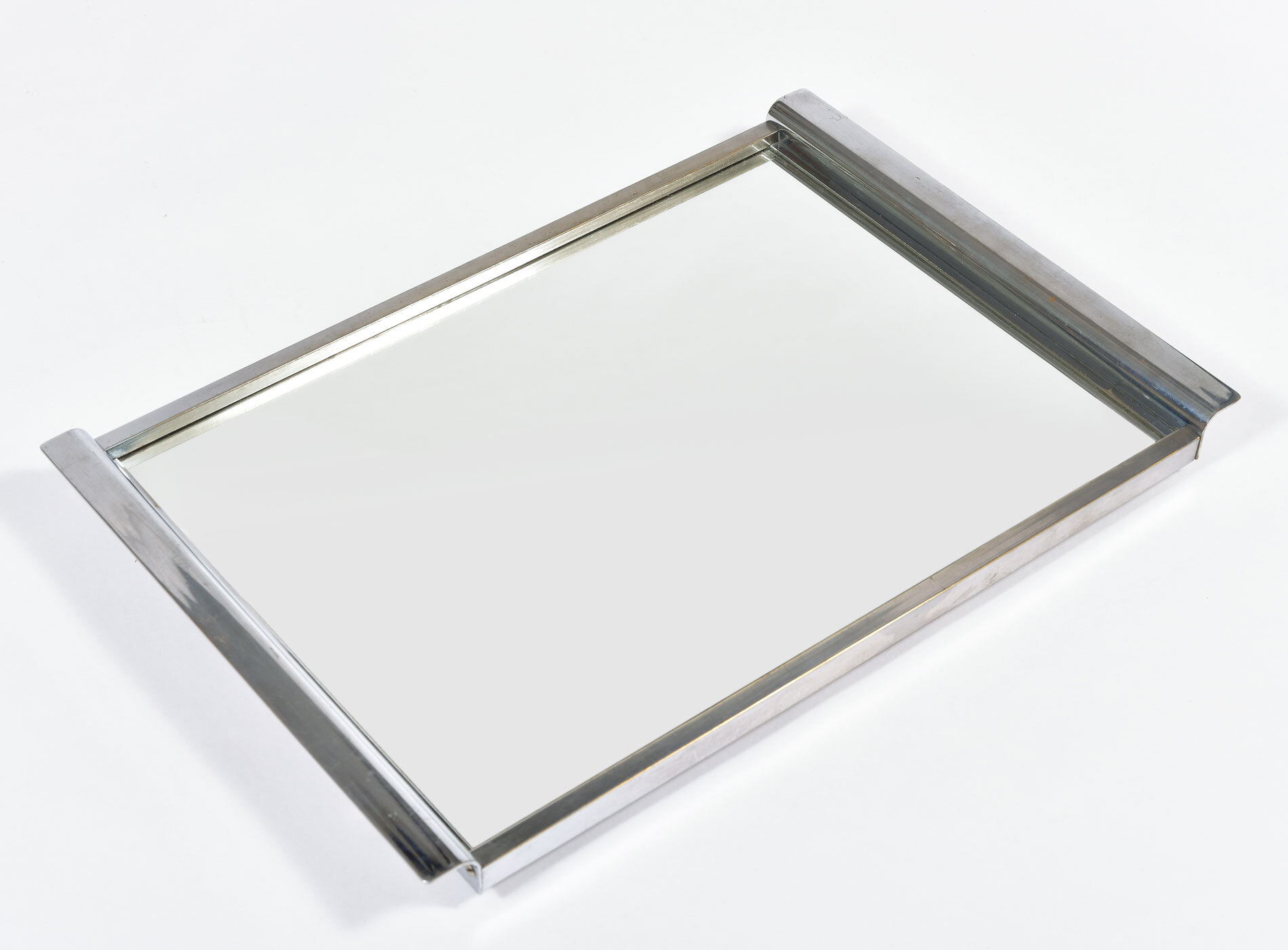 Medium Chrome Mirrored Tray 05