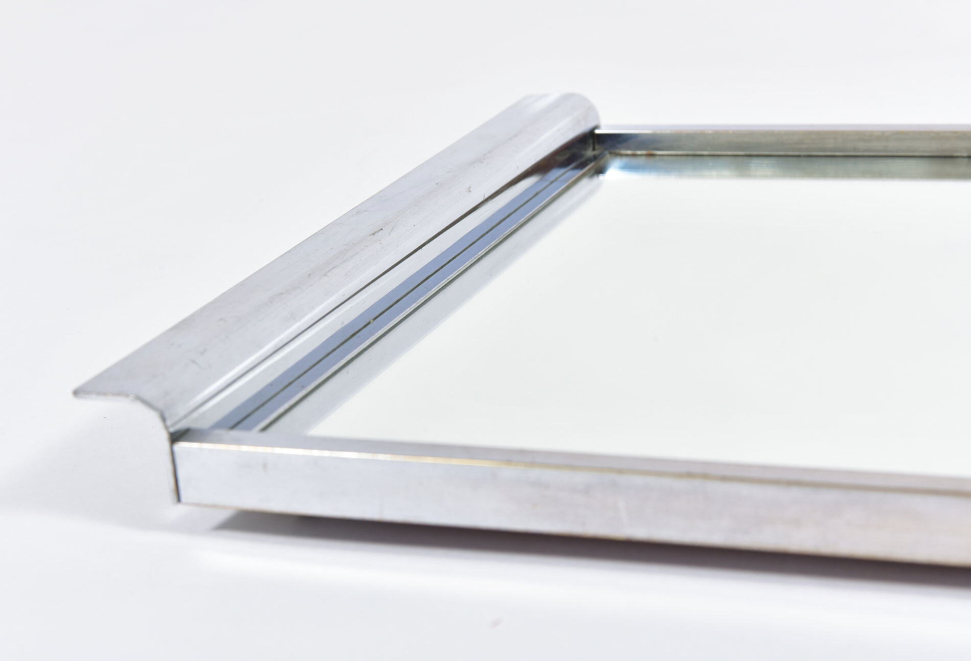 Medium Chrome Mirrored Tray 06