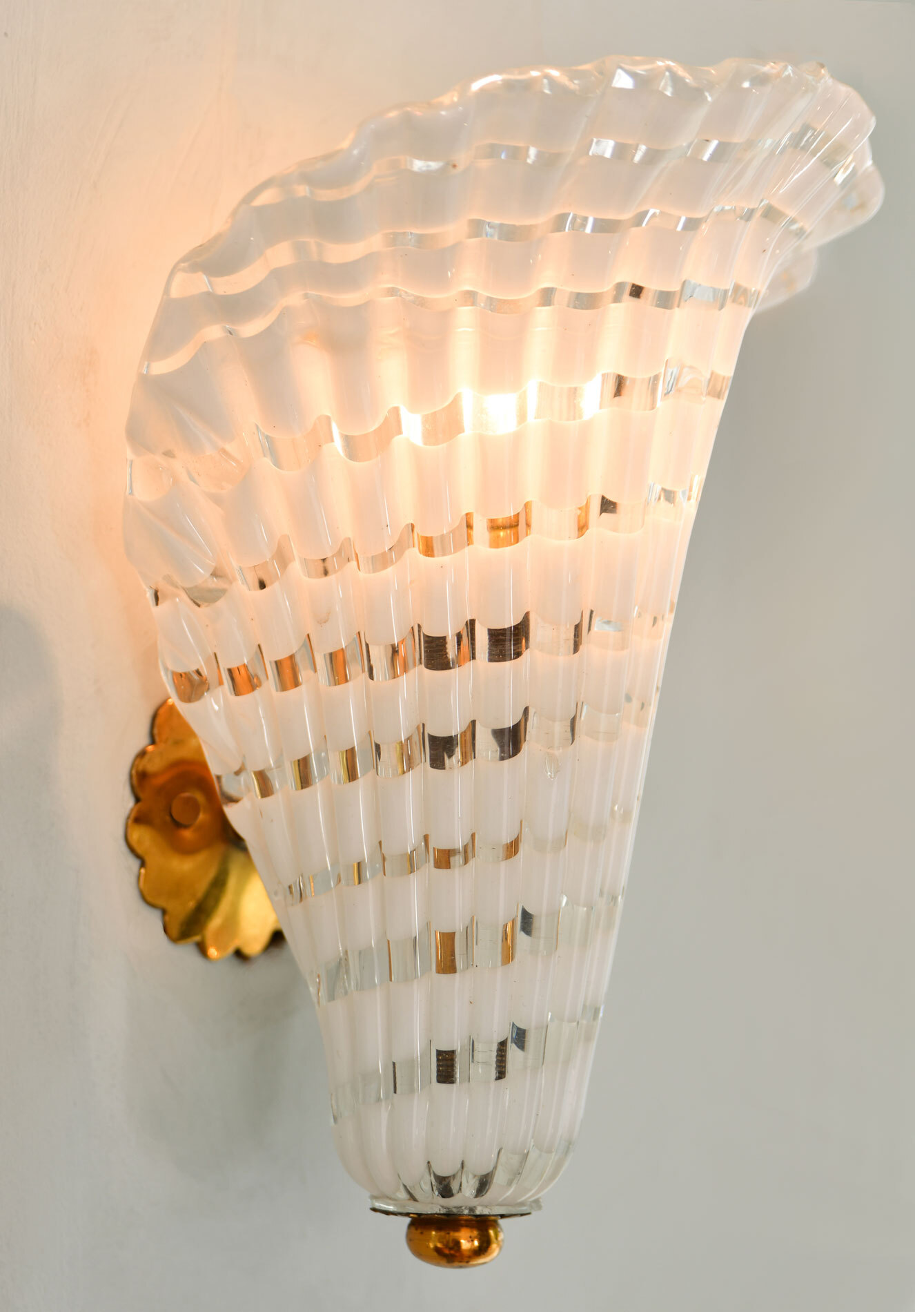 Pair Murano Fluted Wall Lights 02
