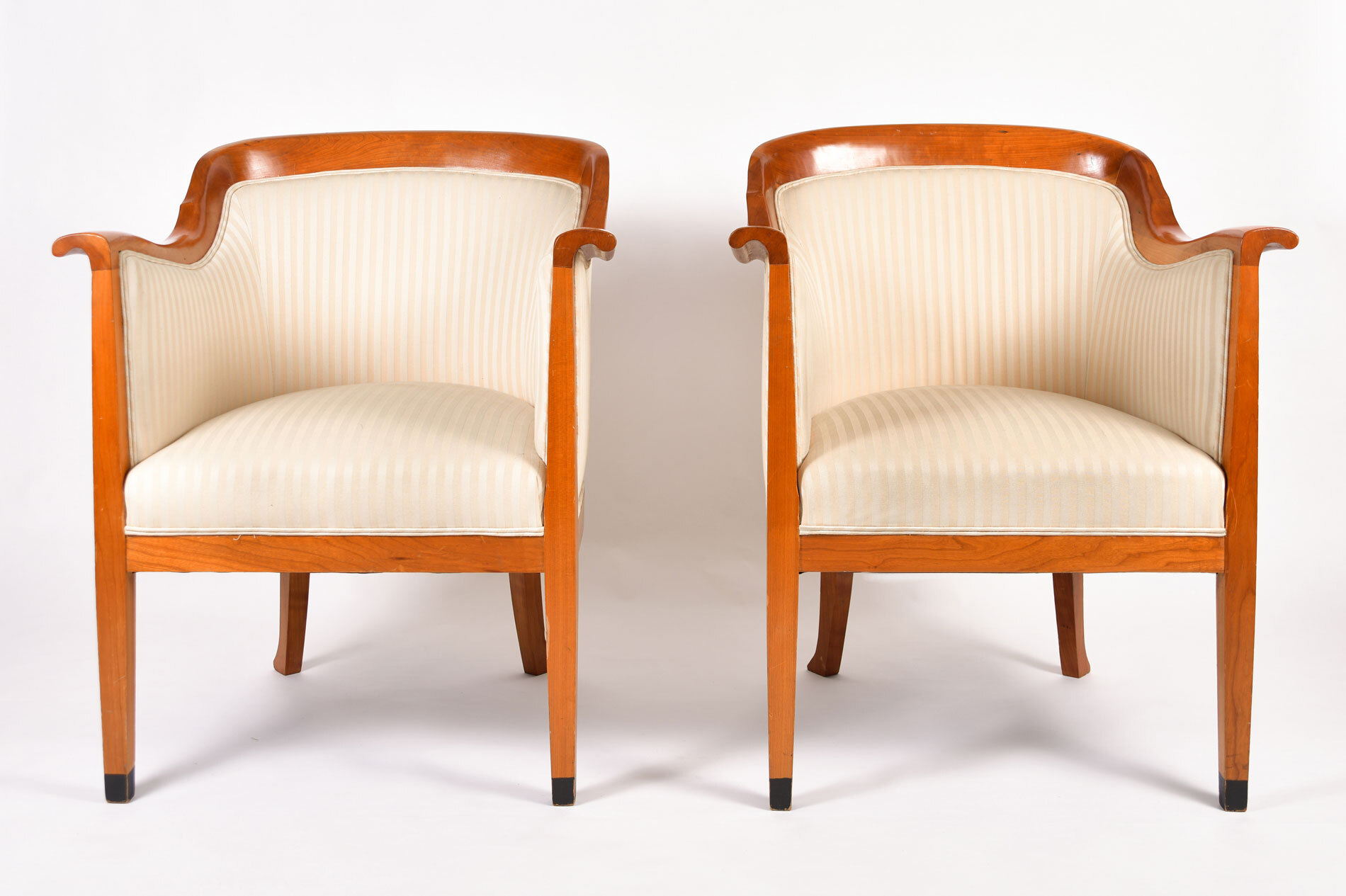 Pair Armchairs 03