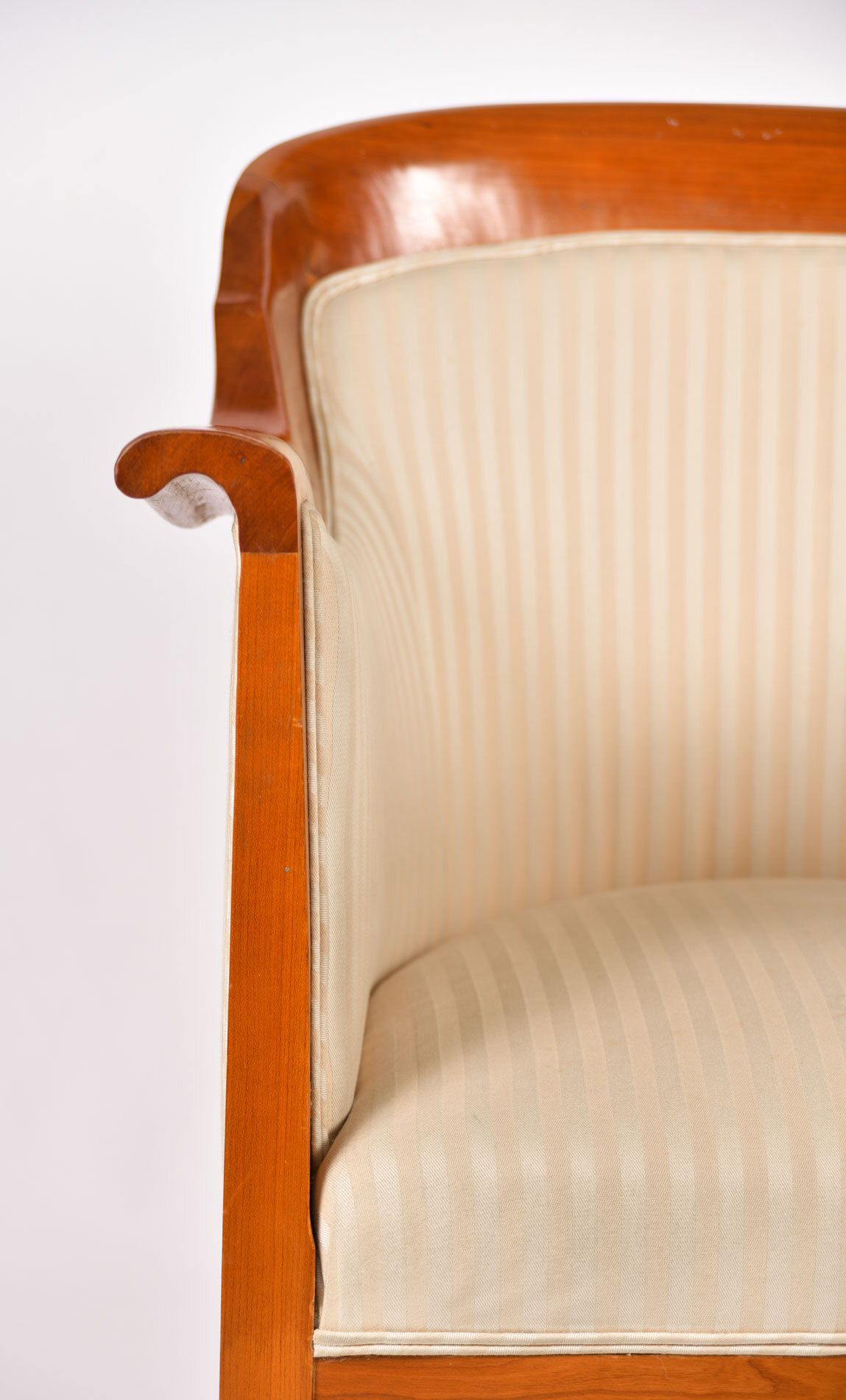 Pair Armchairs 06